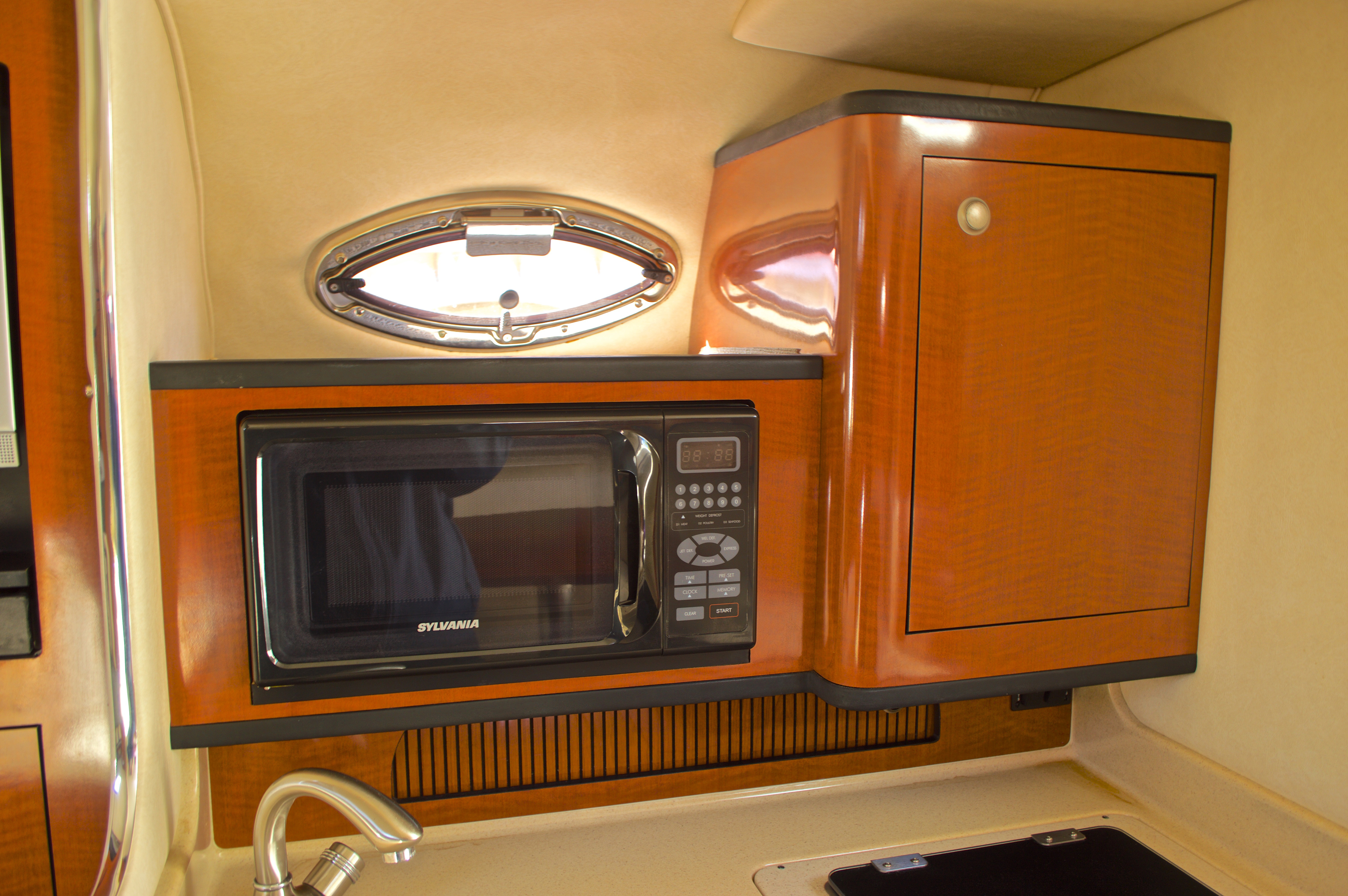 Thumbnail 52 for Used 2005 Sea Ray 280 Sundancer boat for sale in West Palm Beach, FL