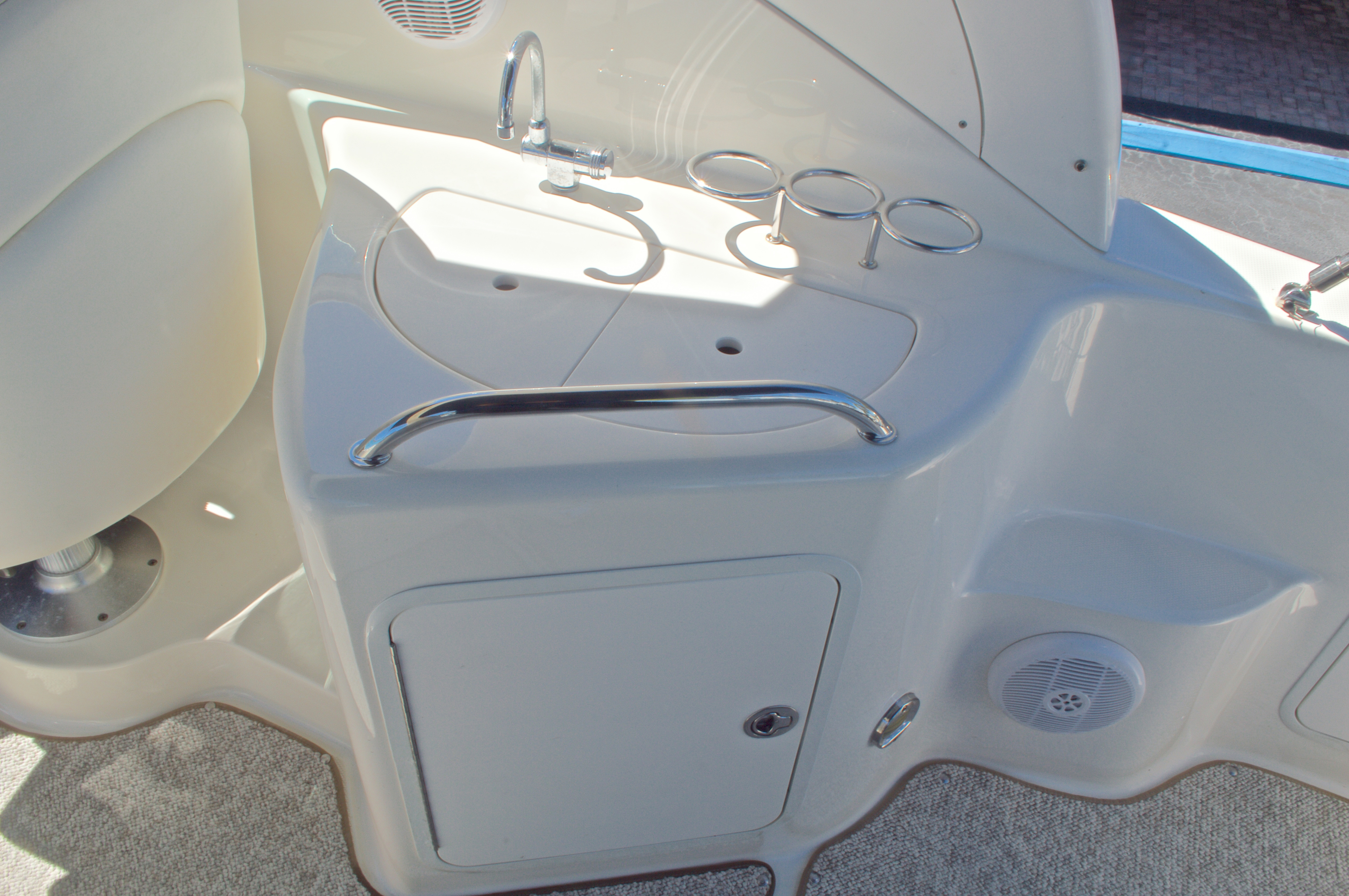 Thumbnail 23 for Used 2005 Sea Ray 280 Sundancer boat for sale in West Palm Beach, FL