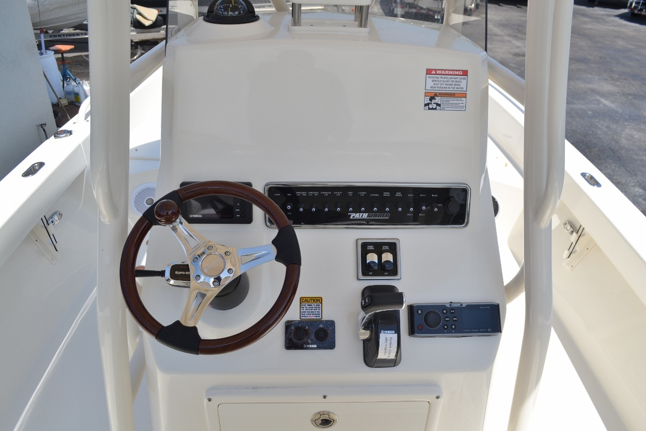 Thumbnail 11 for New 2016 Pathfinder 2600 TRS boat for sale in Vero Beach, FL