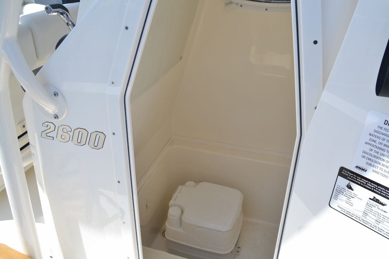Thumbnail 14 for New 2016 Pathfinder 2600 TRS boat for sale in Vero Beach, FL