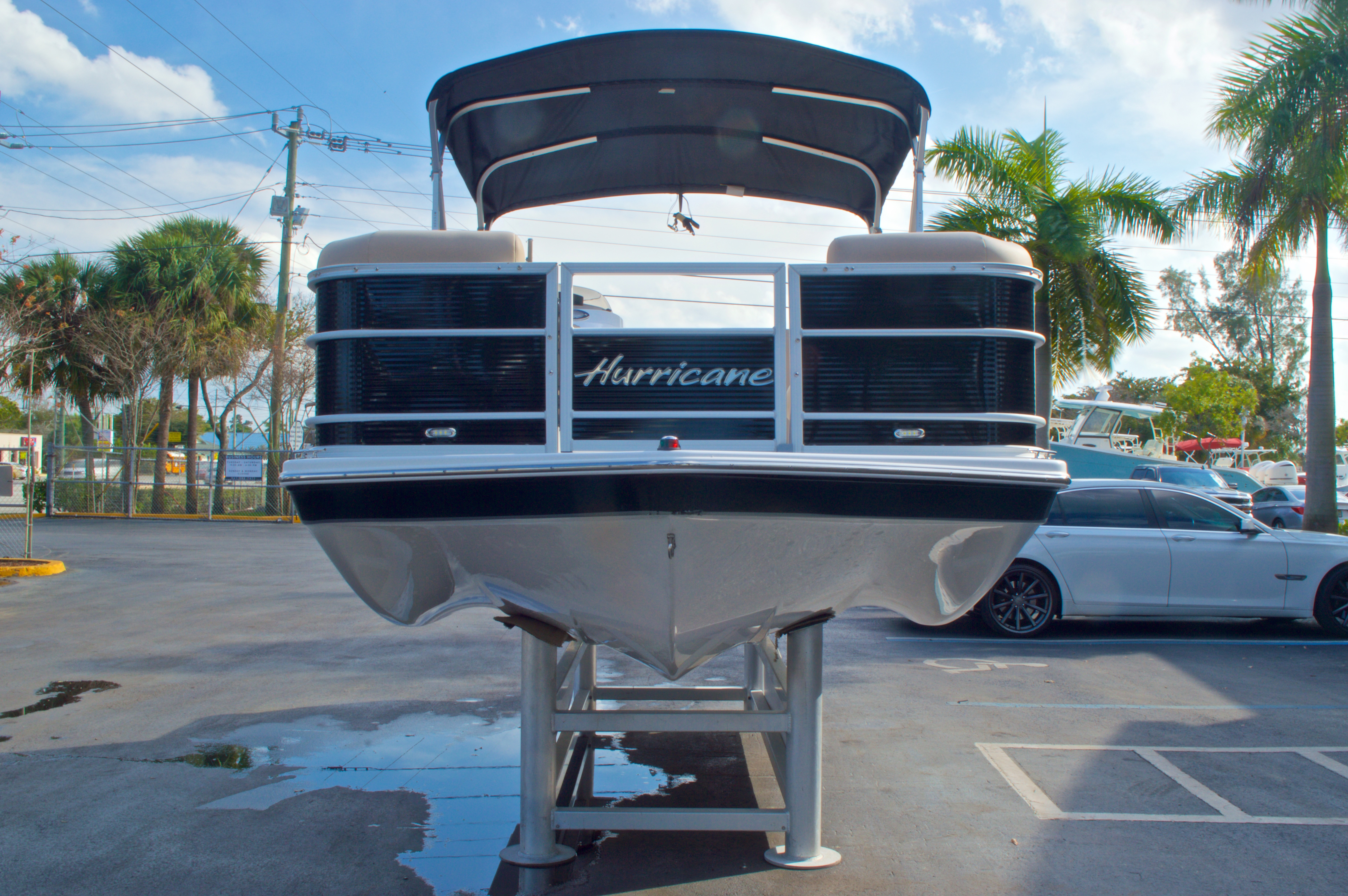 Thumbnail 2 for New 2016 Hurricane Fundeck FD 196 OB boat for sale in West Palm Beach, FL
