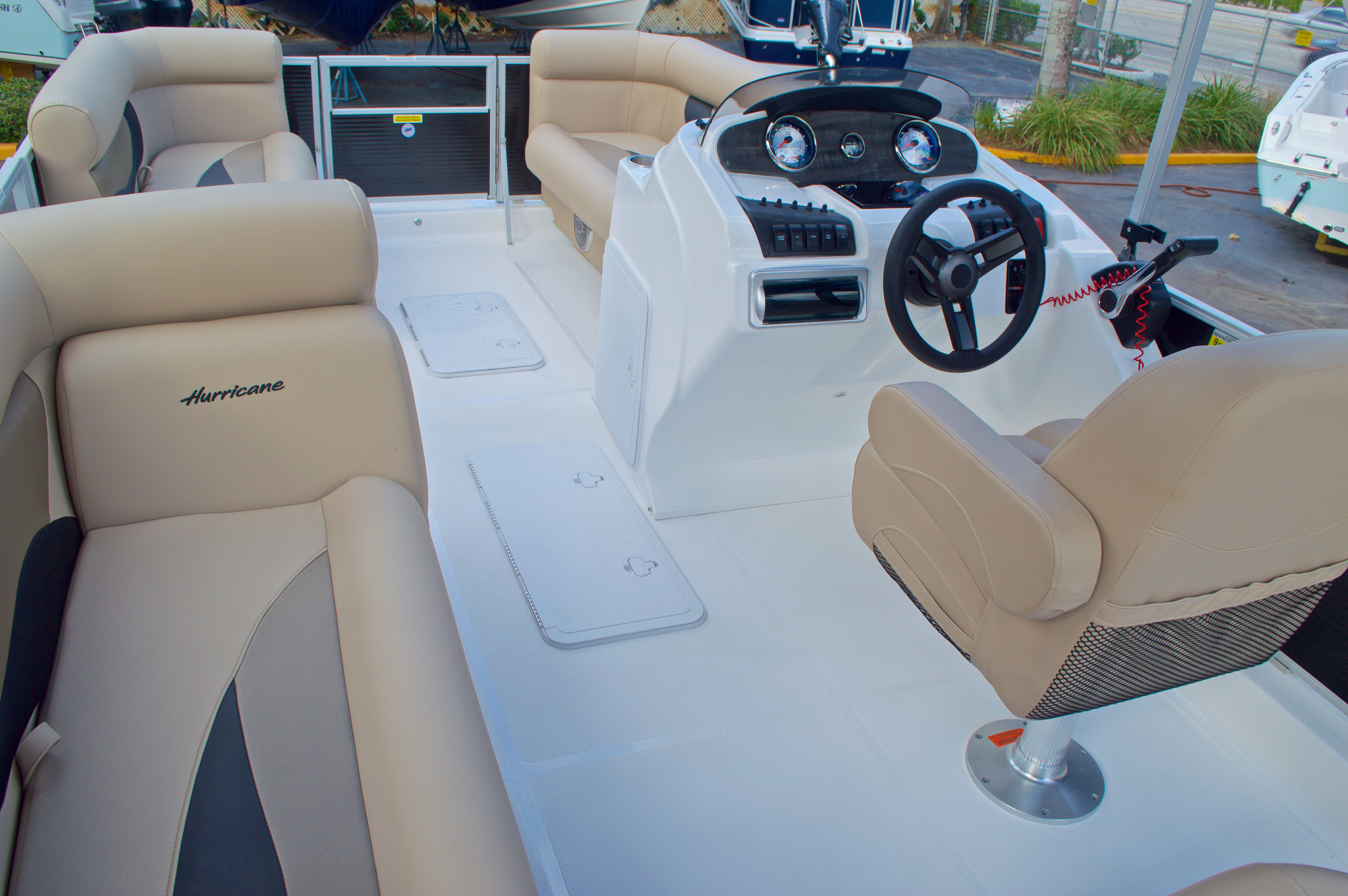 Thumbnail 9 for New 2016 Hurricane Fundeck FD 196 OB boat for sale in West Palm Beach, FL