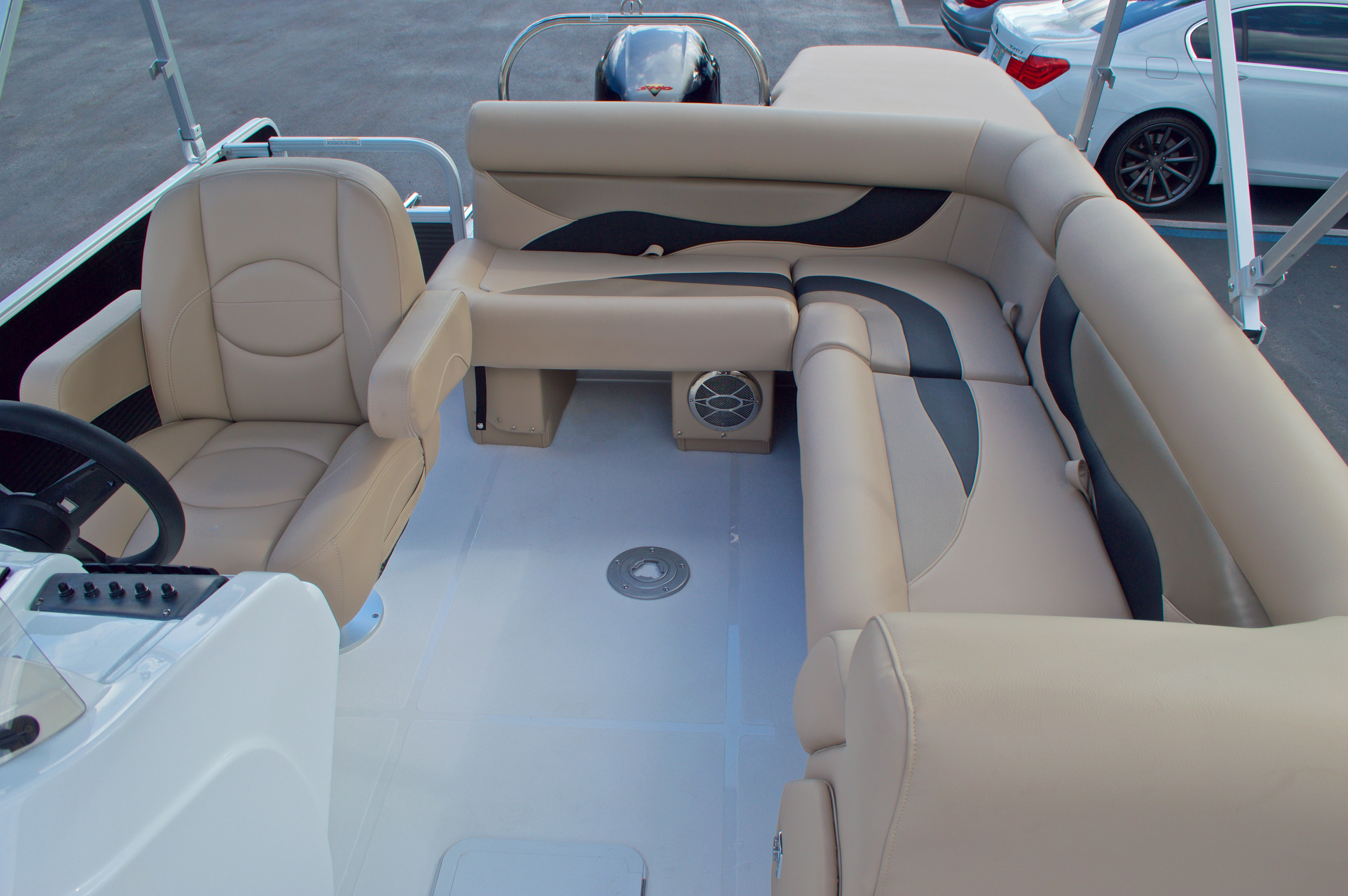 Thumbnail 12 for New 2016 Hurricane Fundeck FD 196 OB boat for sale in West Palm Beach, FL