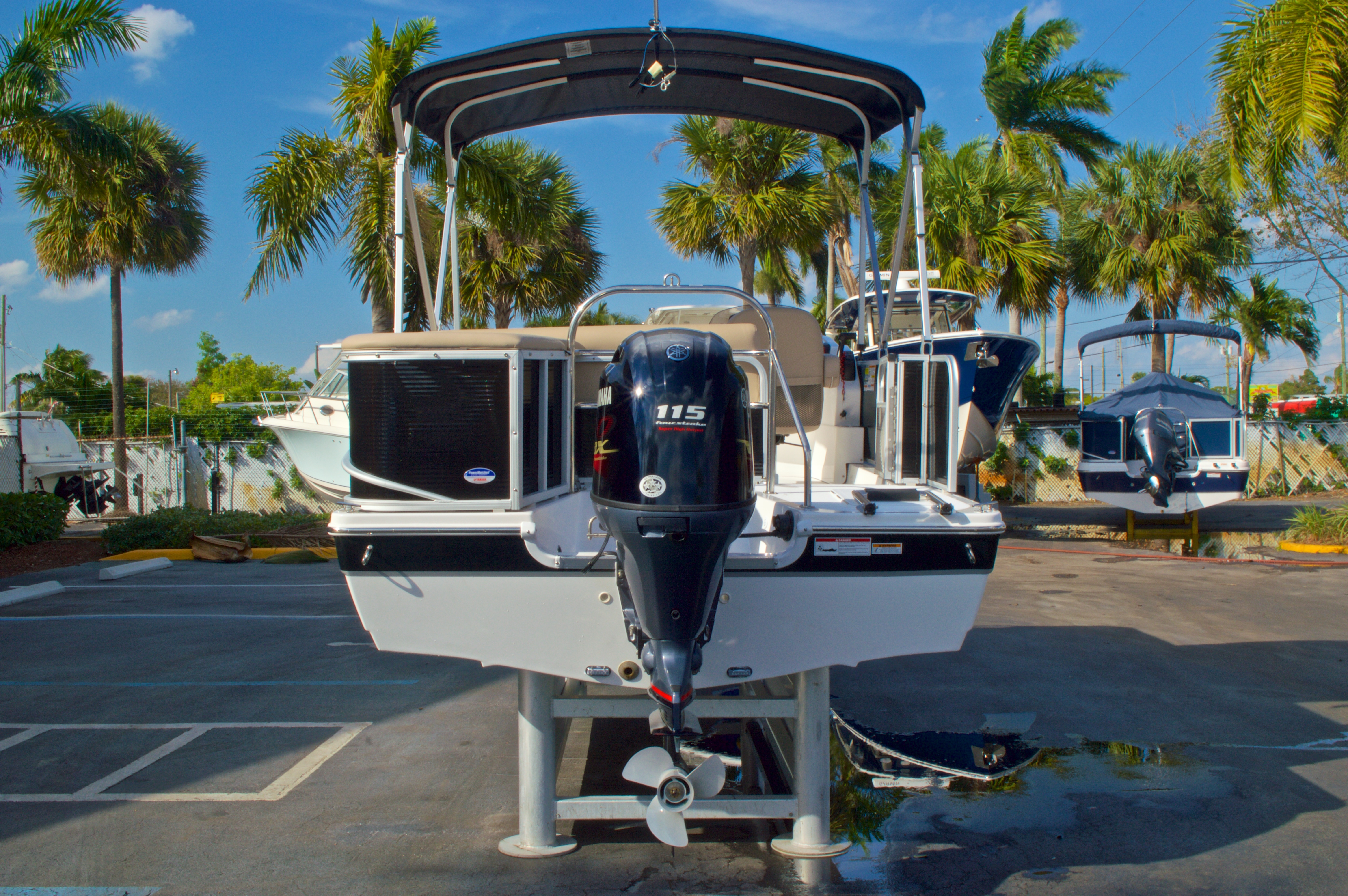 Thumbnail 7 for New 2016 Hurricane Fundeck FD 196 OB boat for sale in West Palm Beach, FL
