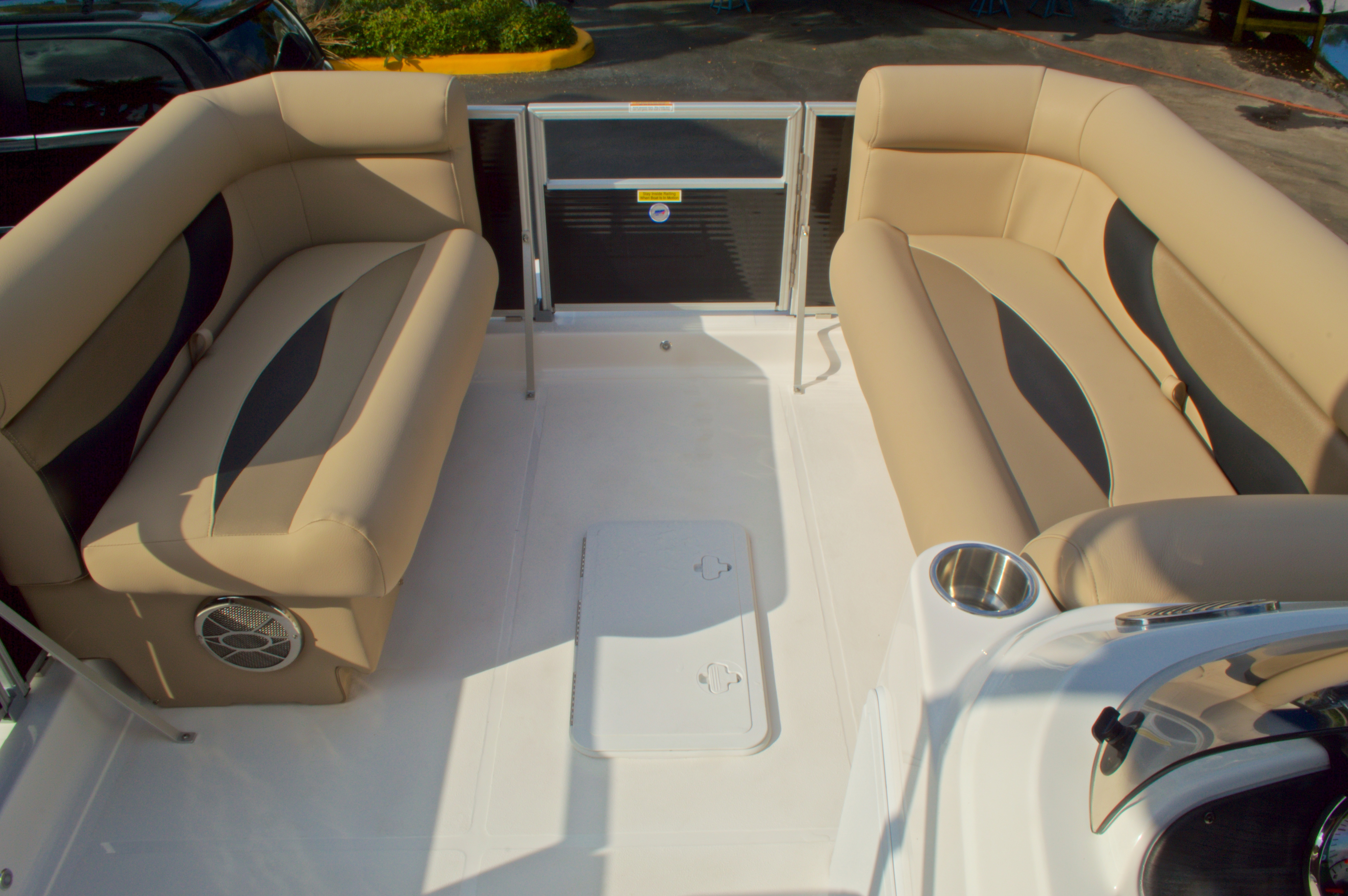 Thumbnail 38 for New 2016 Hurricane Fundeck FD 196 OB boat for sale in West Palm Beach, FL