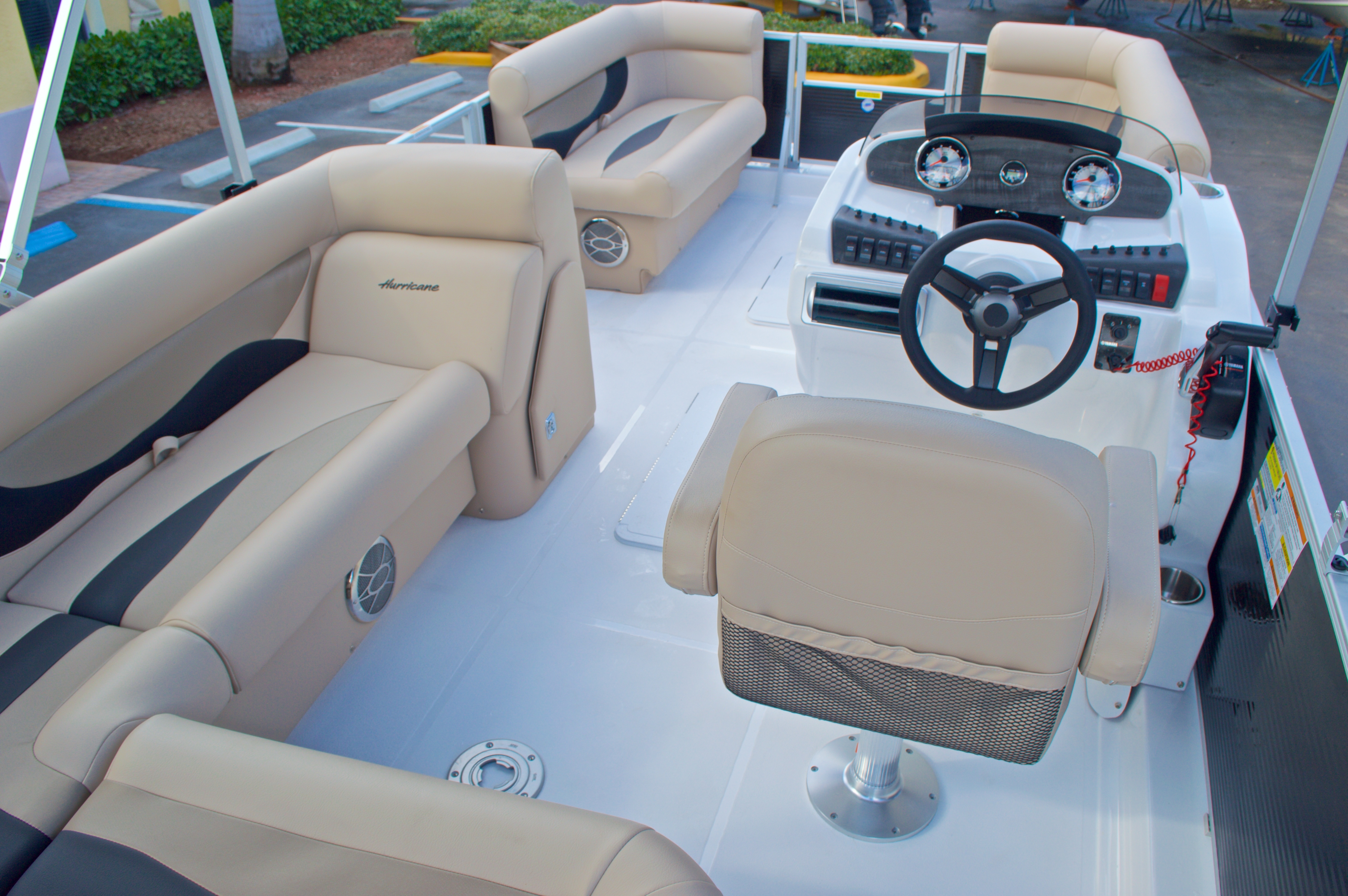 Thumbnail 11 for New 2016 Hurricane Fundeck FD 196 OB boat for sale in West Palm Beach, FL
