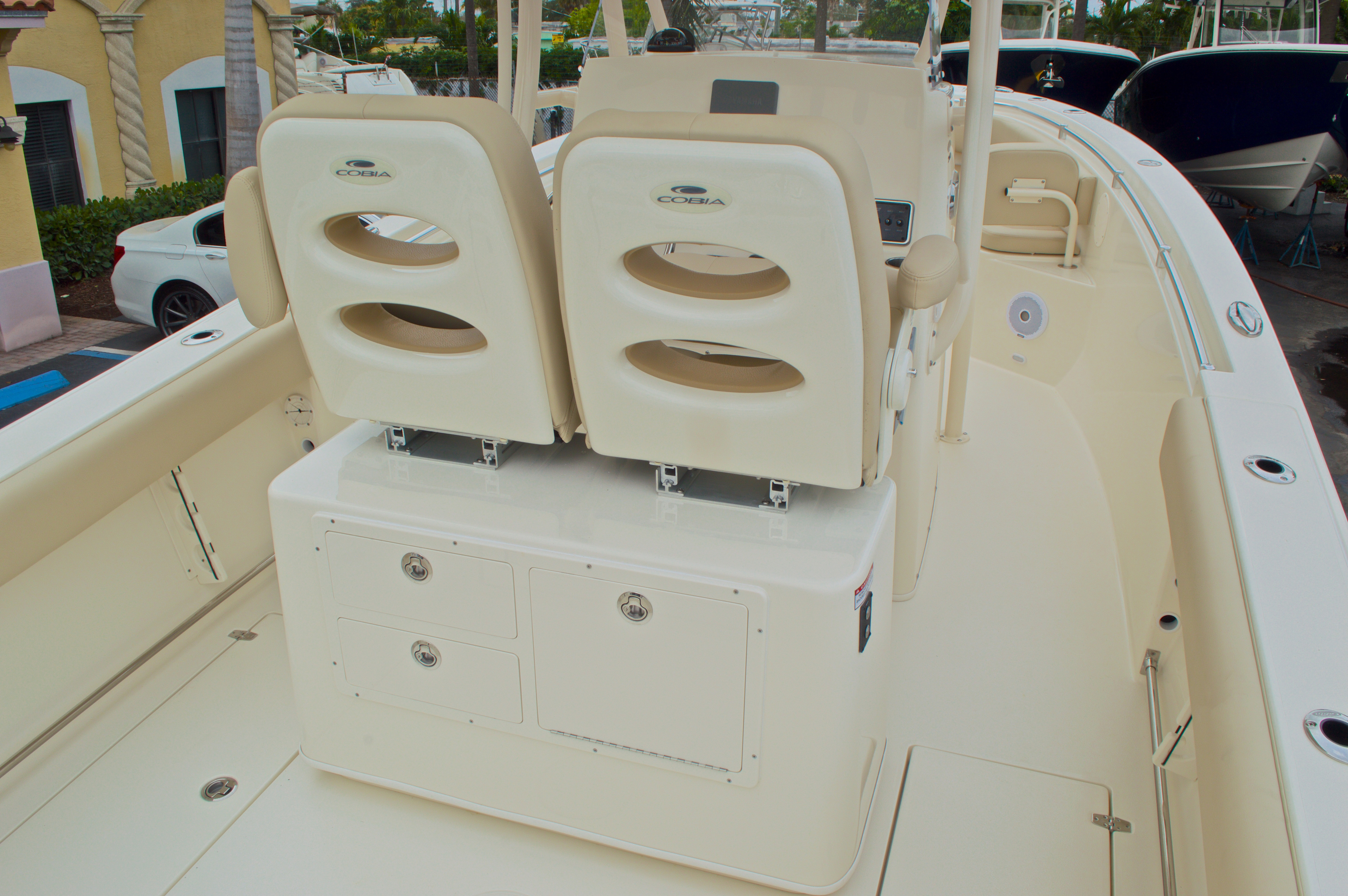 Thumbnail 12 for New 2016 Cobia 261 Center Console boat for sale in Vero Beach, FL