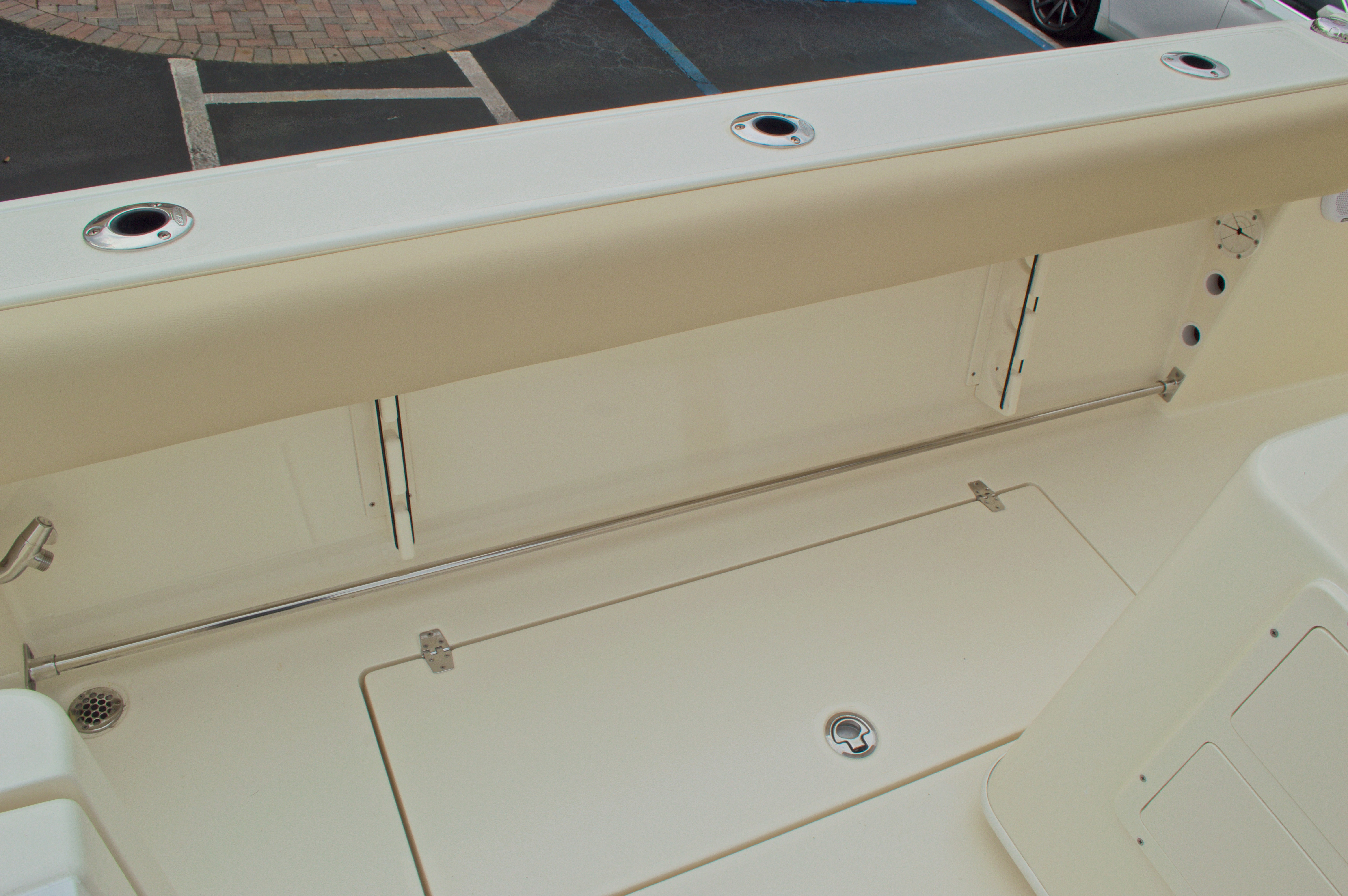 Thumbnail 23 for New 2016 Cobia 261 Center Console boat for sale in Vero Beach, FL