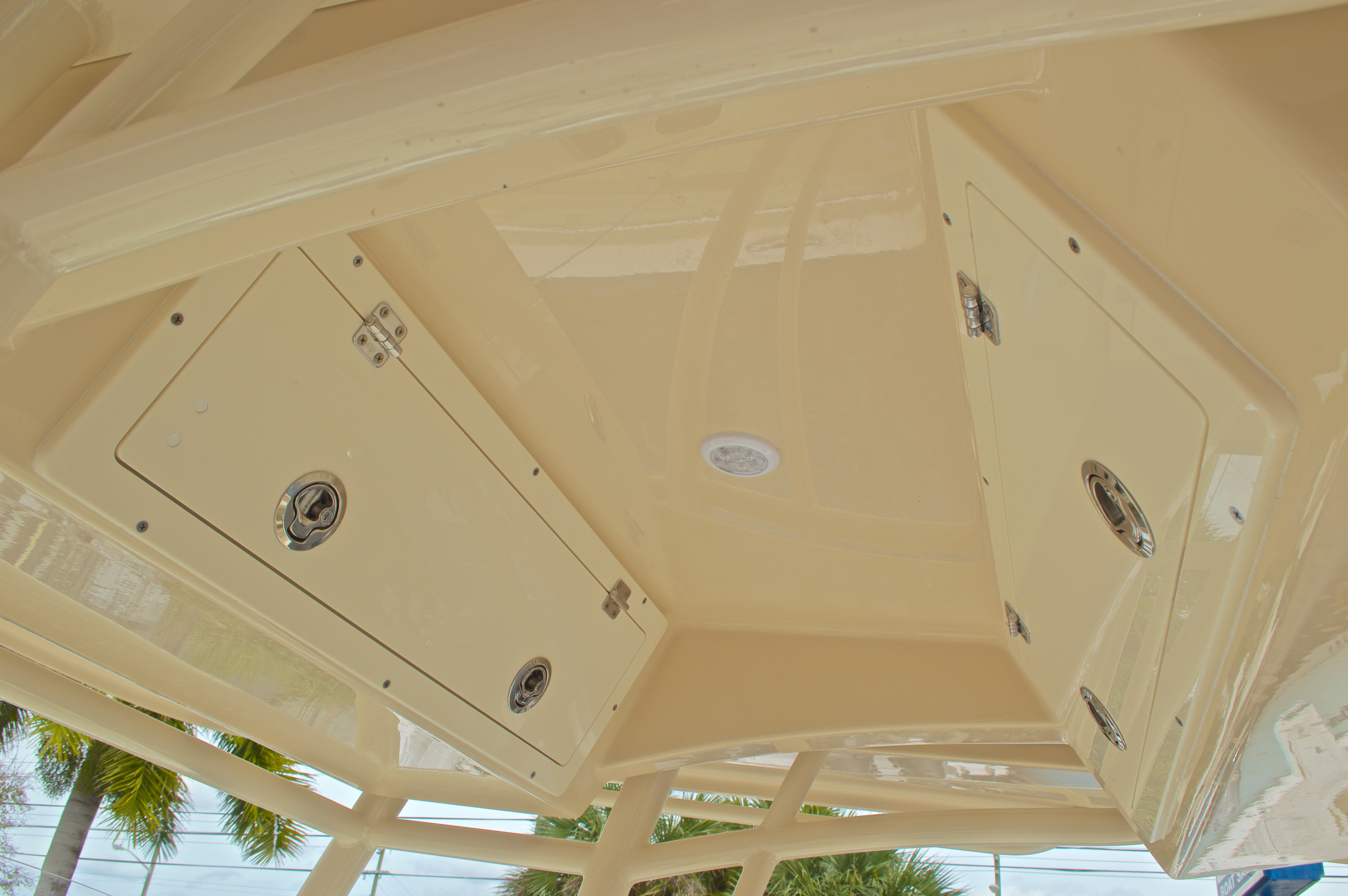 Thumbnail 31 for New 2016 Cobia 261 Center Console boat for sale in Vero Beach, FL