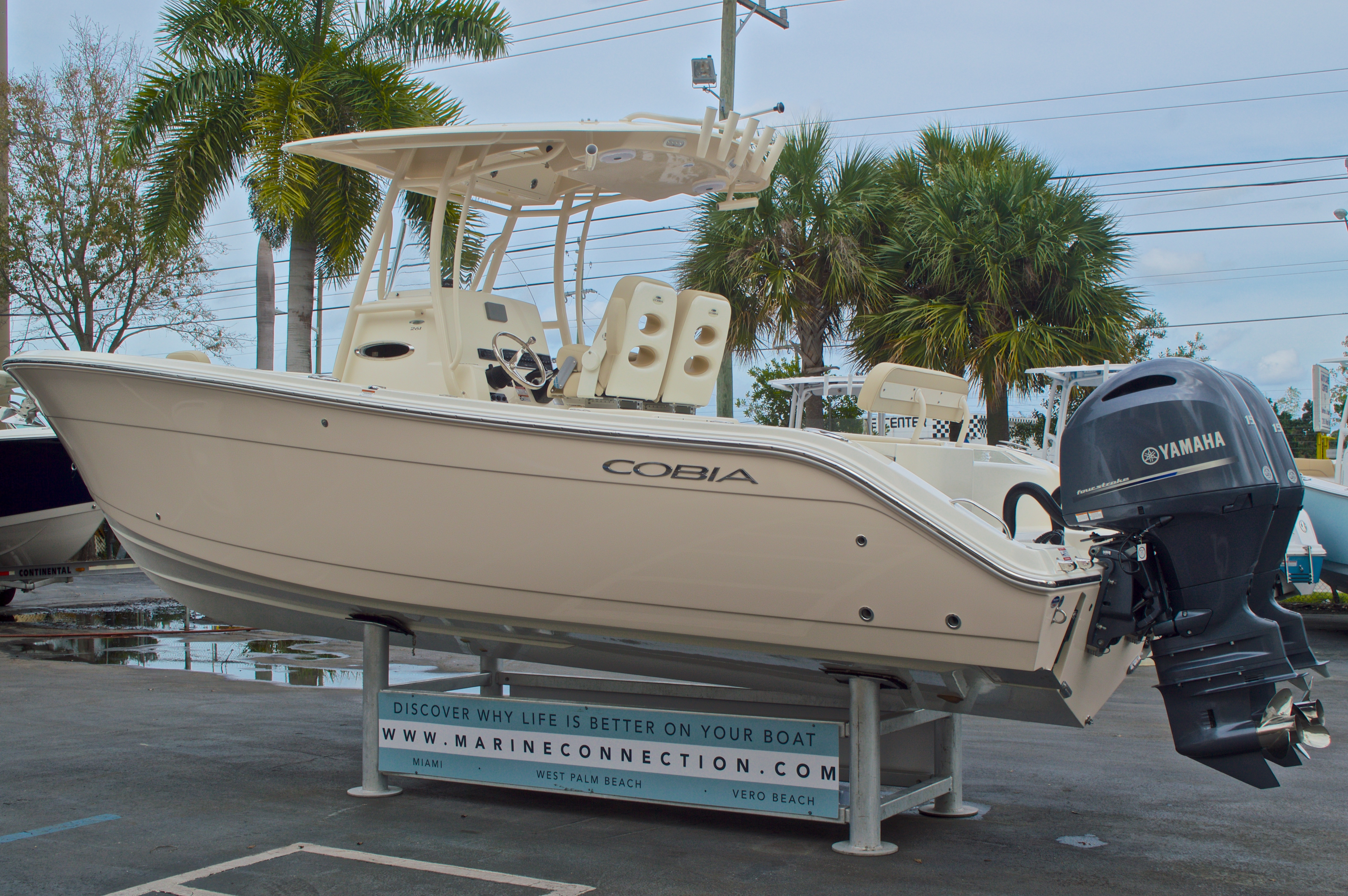 Thumbnail 6 for New 2016 Cobia 261 Center Console boat for sale in Vero Beach, FL