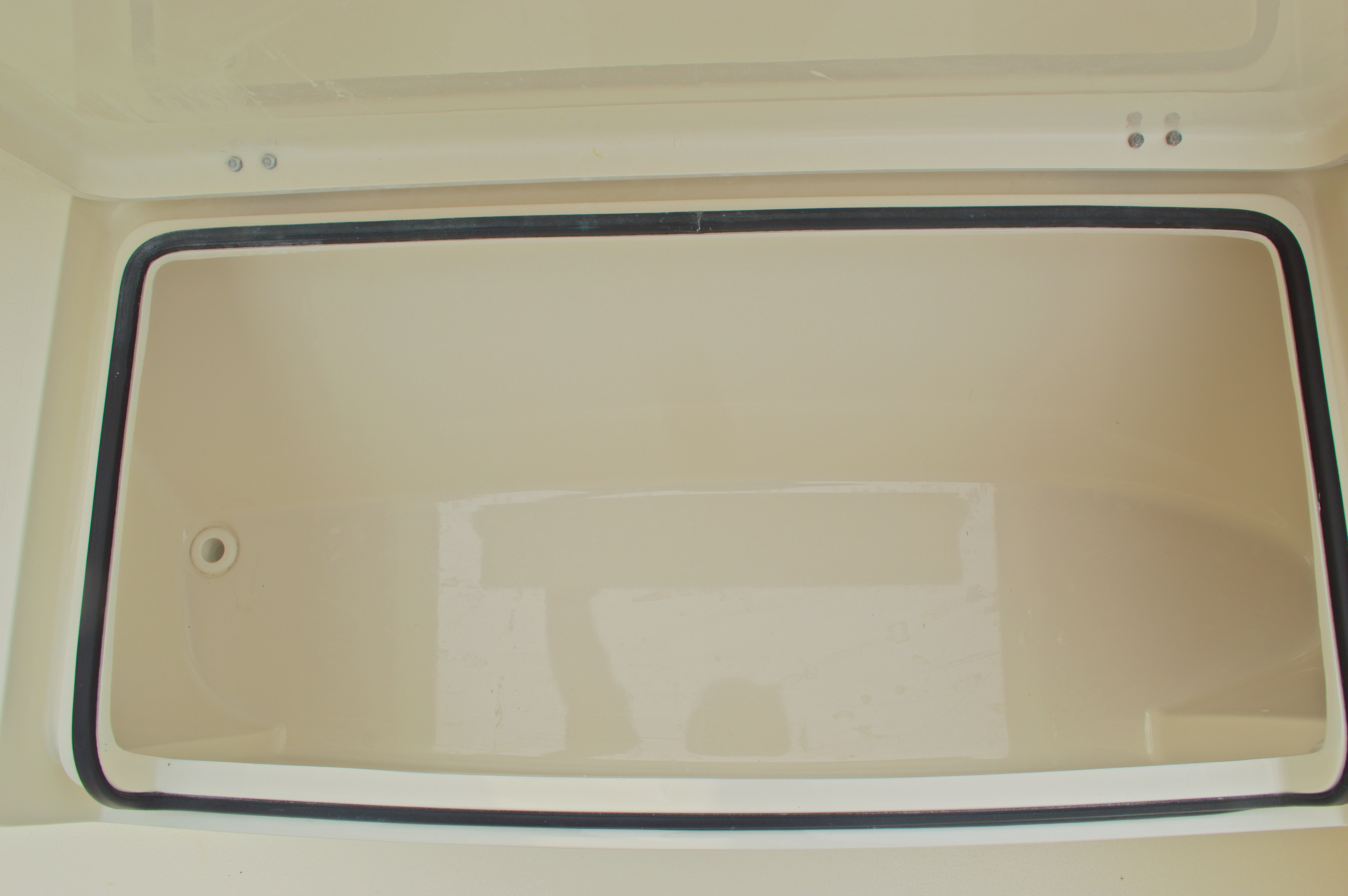 Thumbnail 49 for New 2016 Cobia 261 Center Console boat for sale in Vero Beach, FL