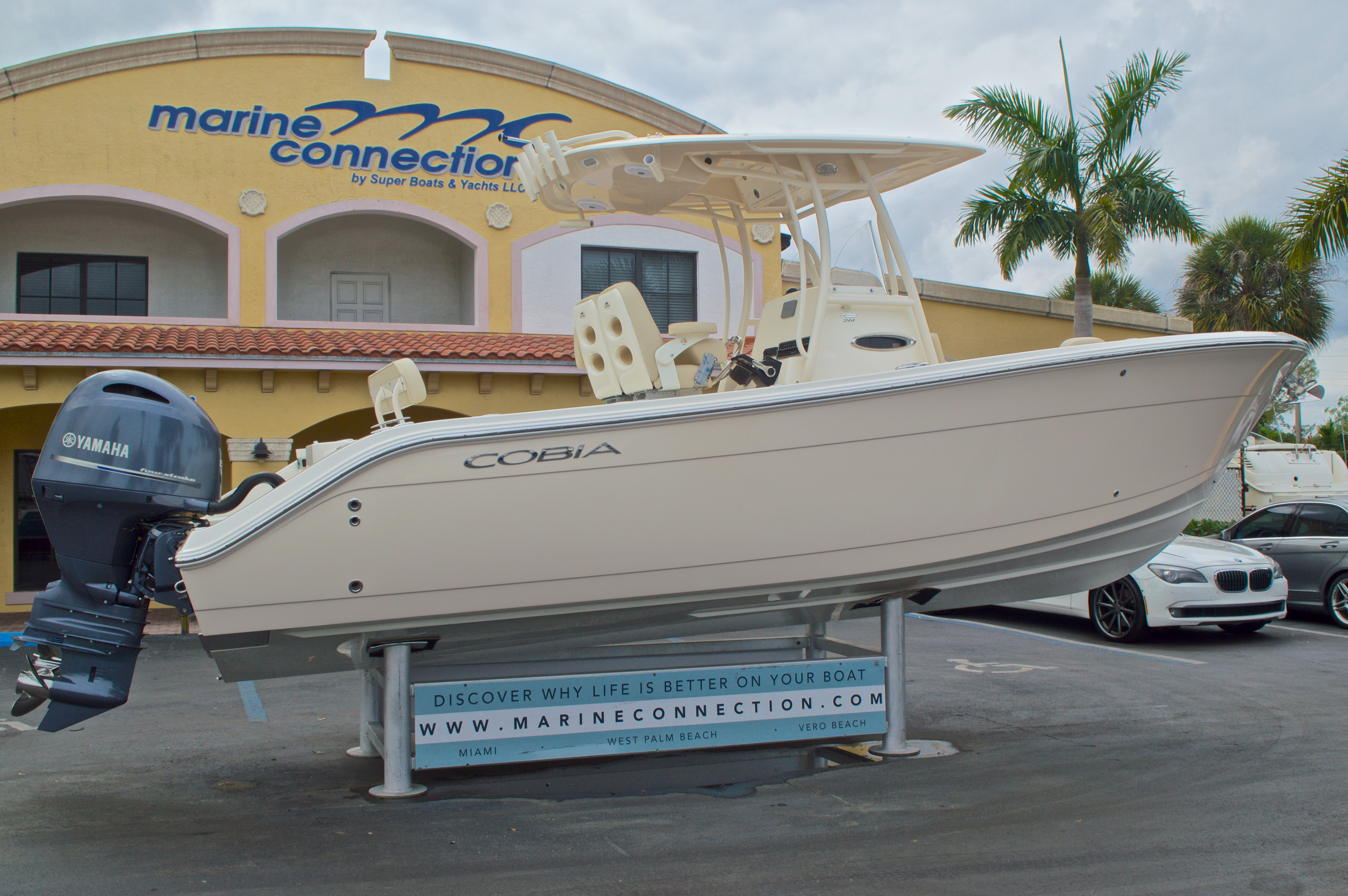 Thumbnail 8 for New 2016 Cobia 261 Center Console boat for sale in Vero Beach, FL