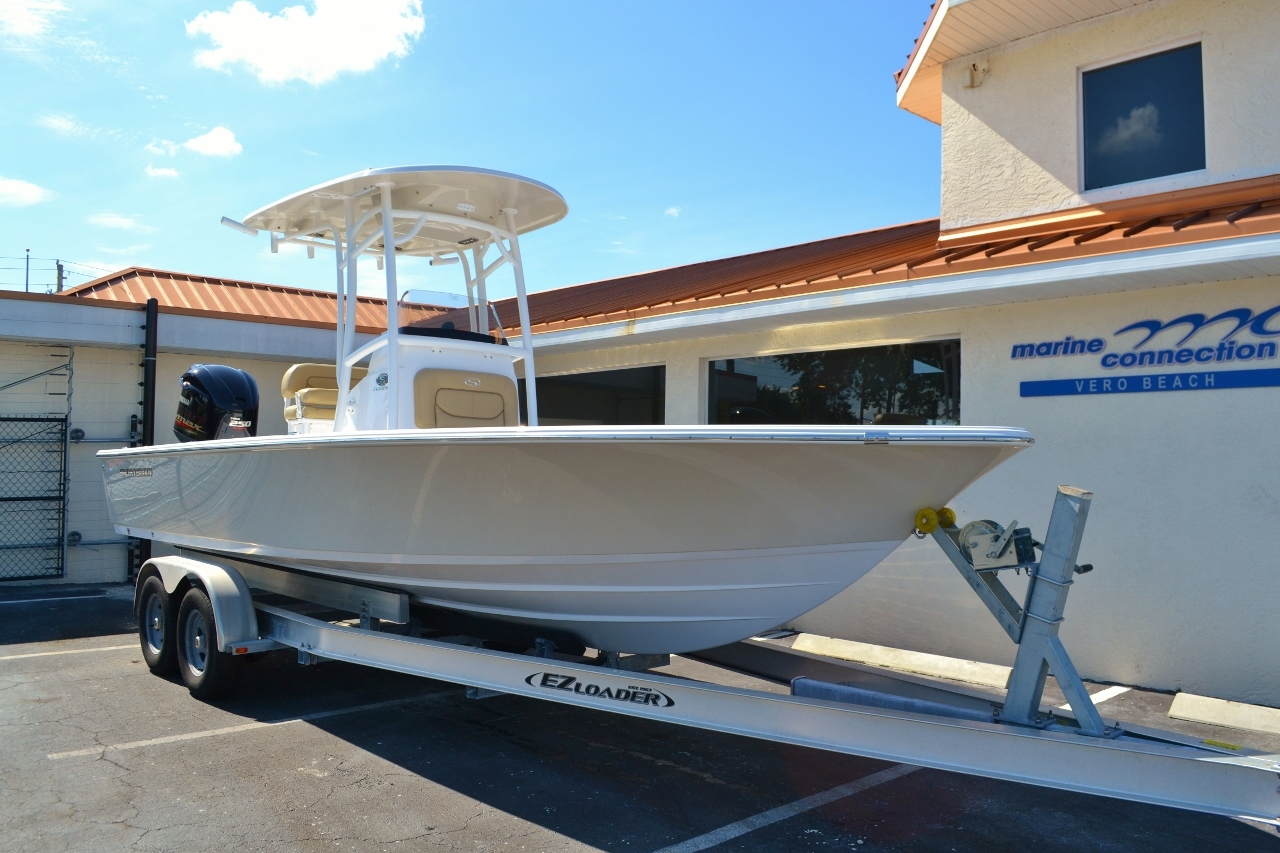 Thumbnail 1 for New 2016 Sportsman Masters 247 Bay Boat boat for sale in Miami, FL