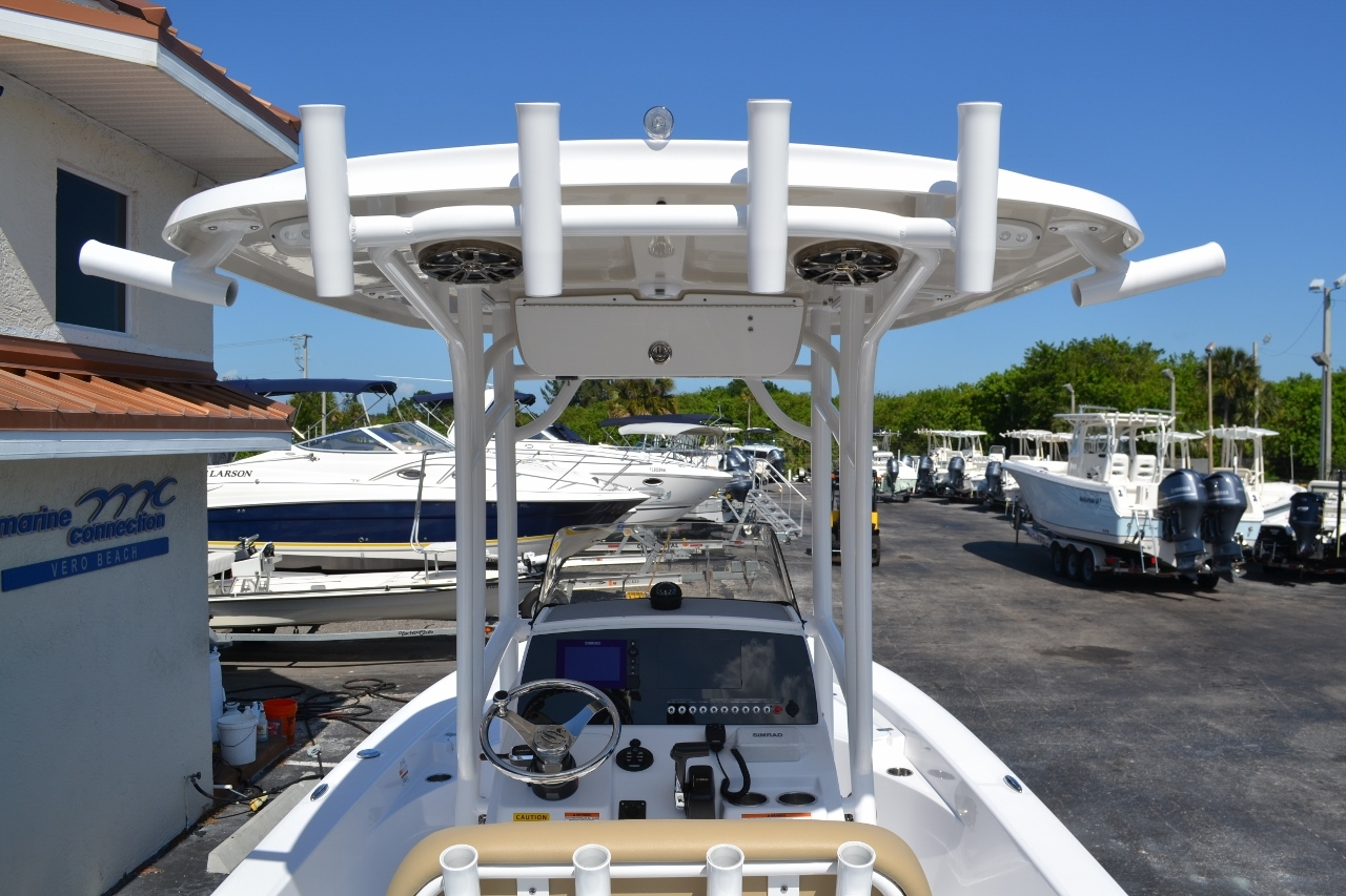 Thumbnail 11 for New 2016 Sportsman Masters 247 Bay Boat boat for sale in Miami, FL