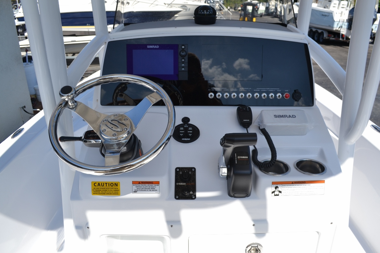 Thumbnail 12 for New 2016 Sportsman Masters 247 Bay Boat boat for sale in Miami, FL