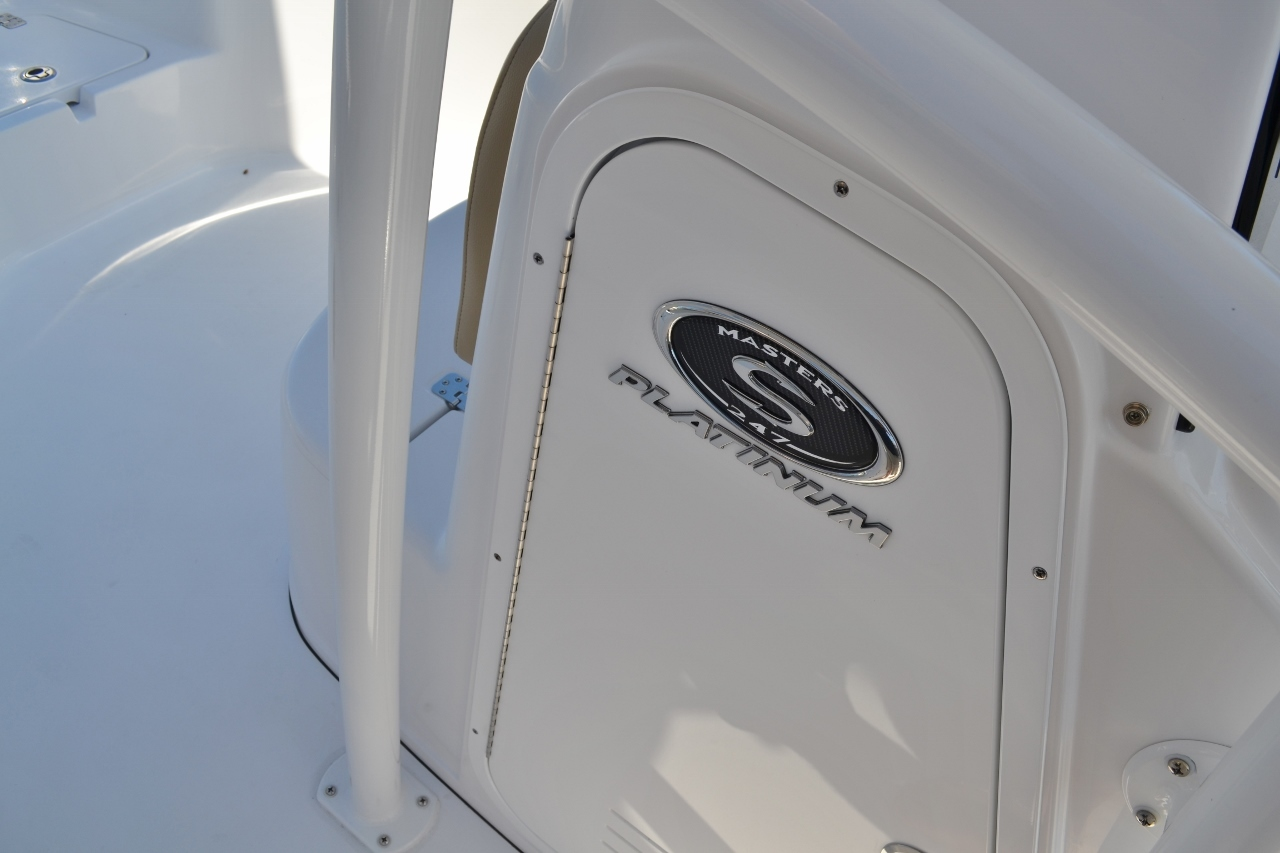 Thumbnail 14 for New 2016 Sportsman Masters 247 Bay Boat boat for sale in Miami, FL