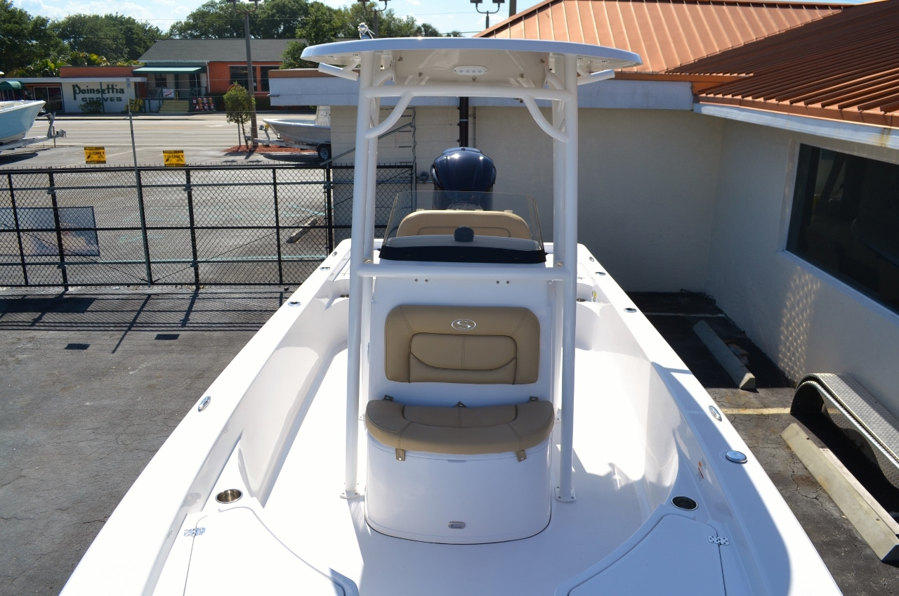Thumbnail 16 for New 2016 Sportsman Masters 247 Bay Boat boat for sale in Miami, FL