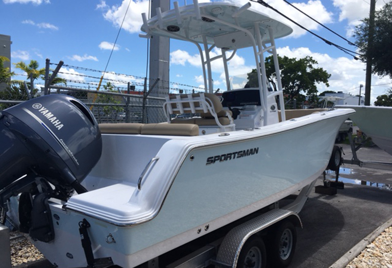 Thumbnail 1 for New 2016 Sportsman Heritage 231 Center Console boat for sale in Miami, FL