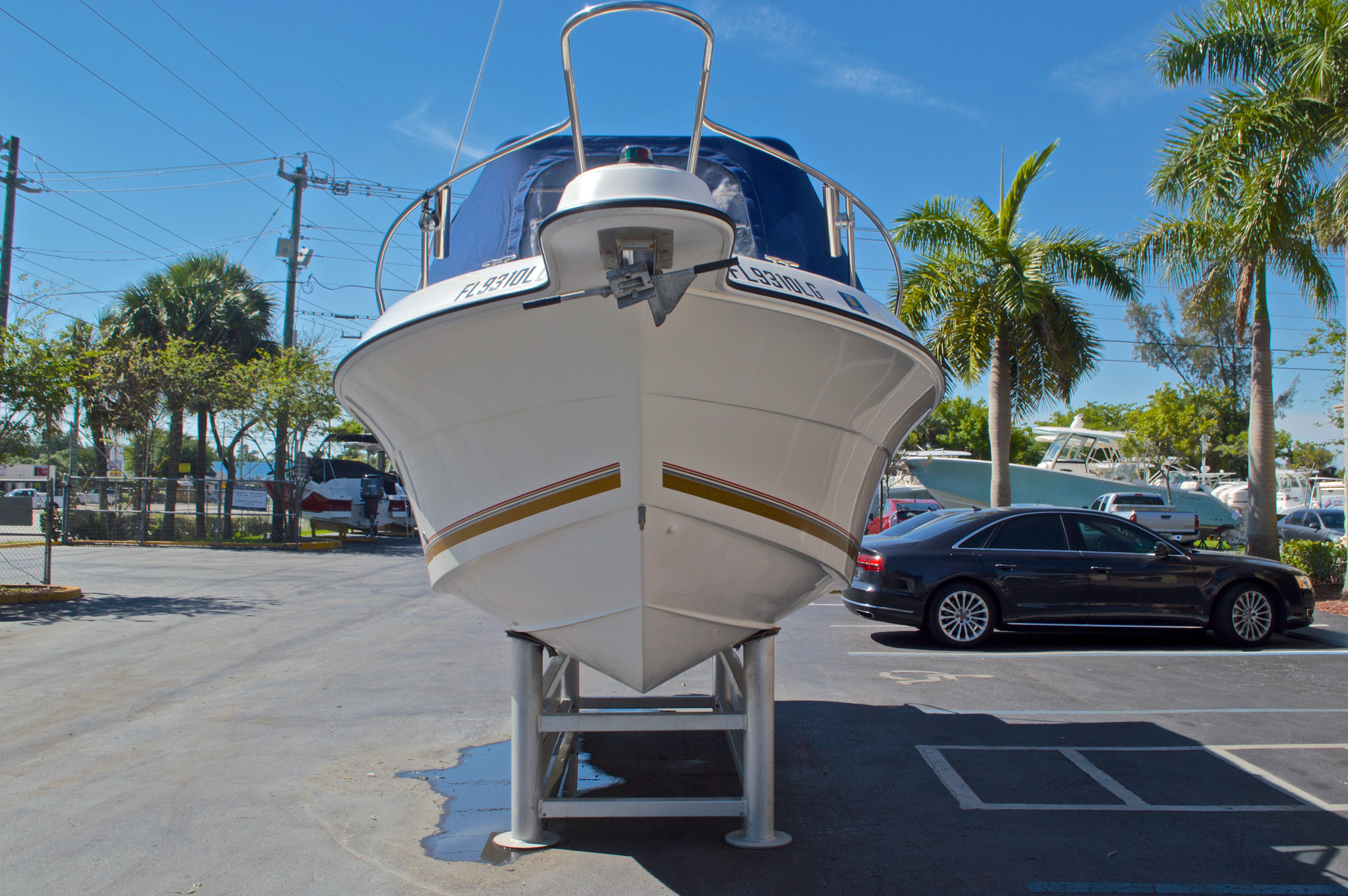 Thumbnail 2 for Used 2000 Aquasport 215 Osprey Sport DC boat for sale in West Palm Beach, FL