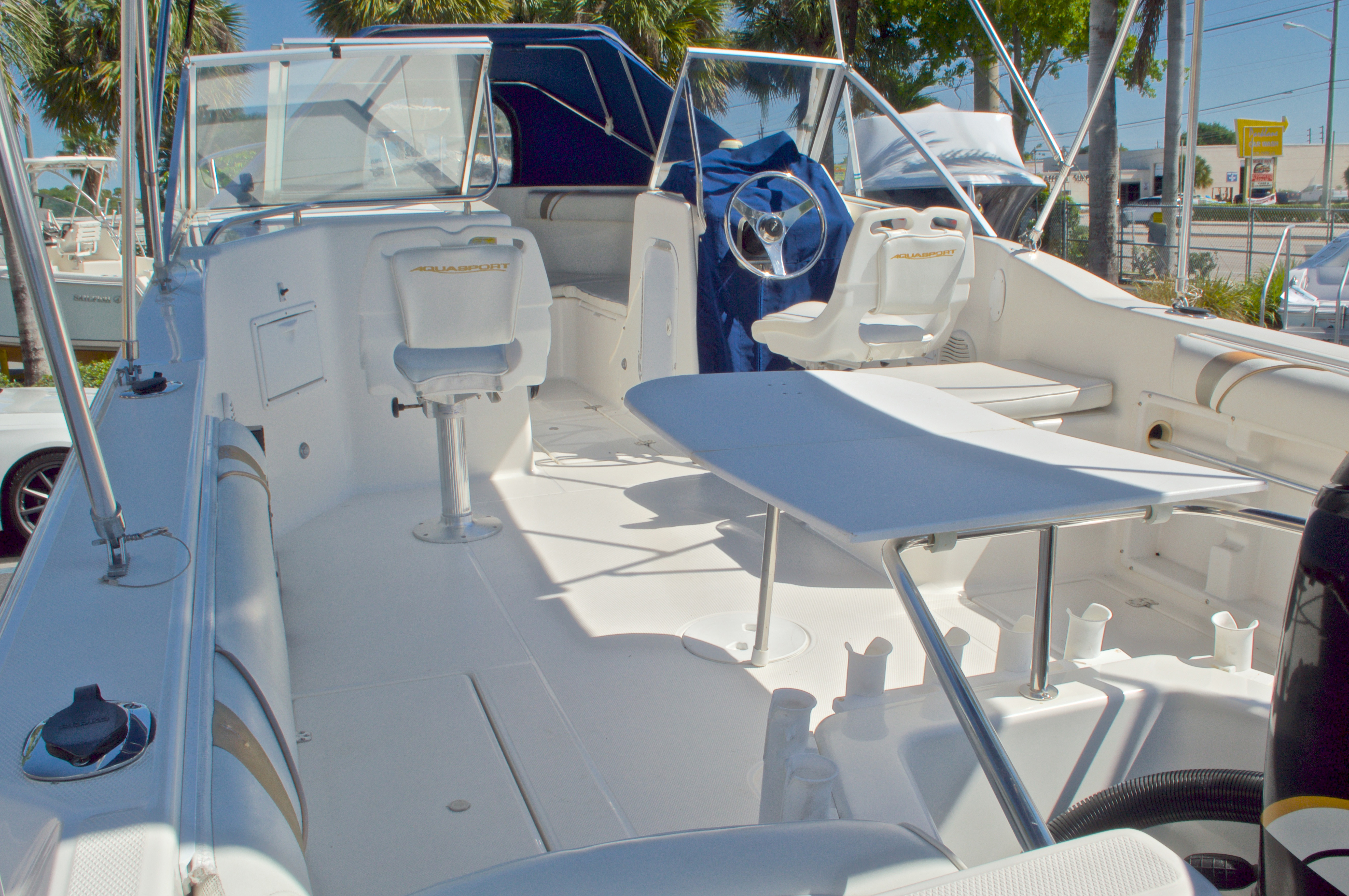Thumbnail 12 for Used 2000 Aquasport 215 Osprey Sport DC boat for sale in West Palm Beach, FL