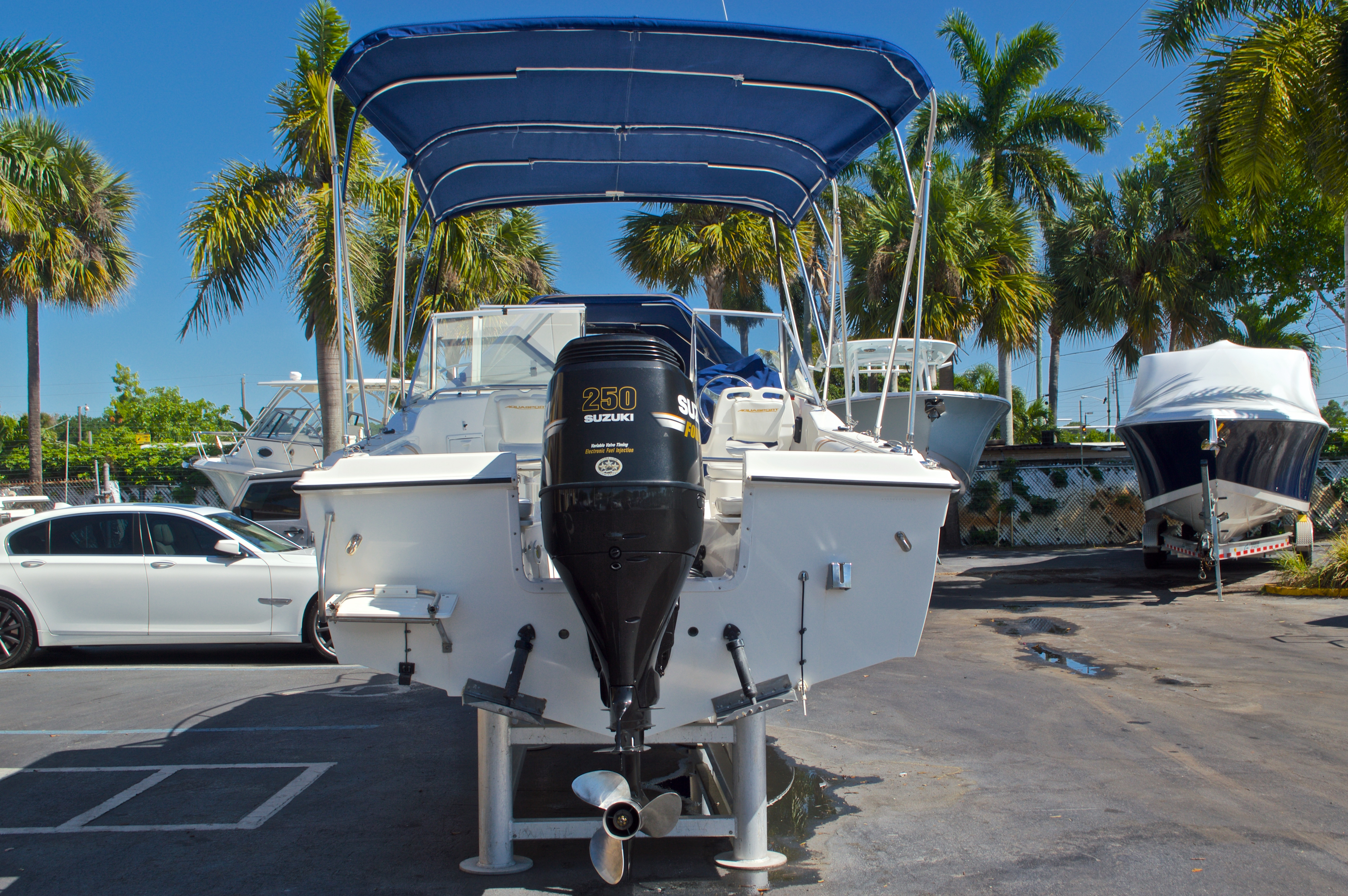 Thumbnail 6 for Used 2000 Aquasport 215 Osprey Sport DC boat for sale in West Palm Beach, FL