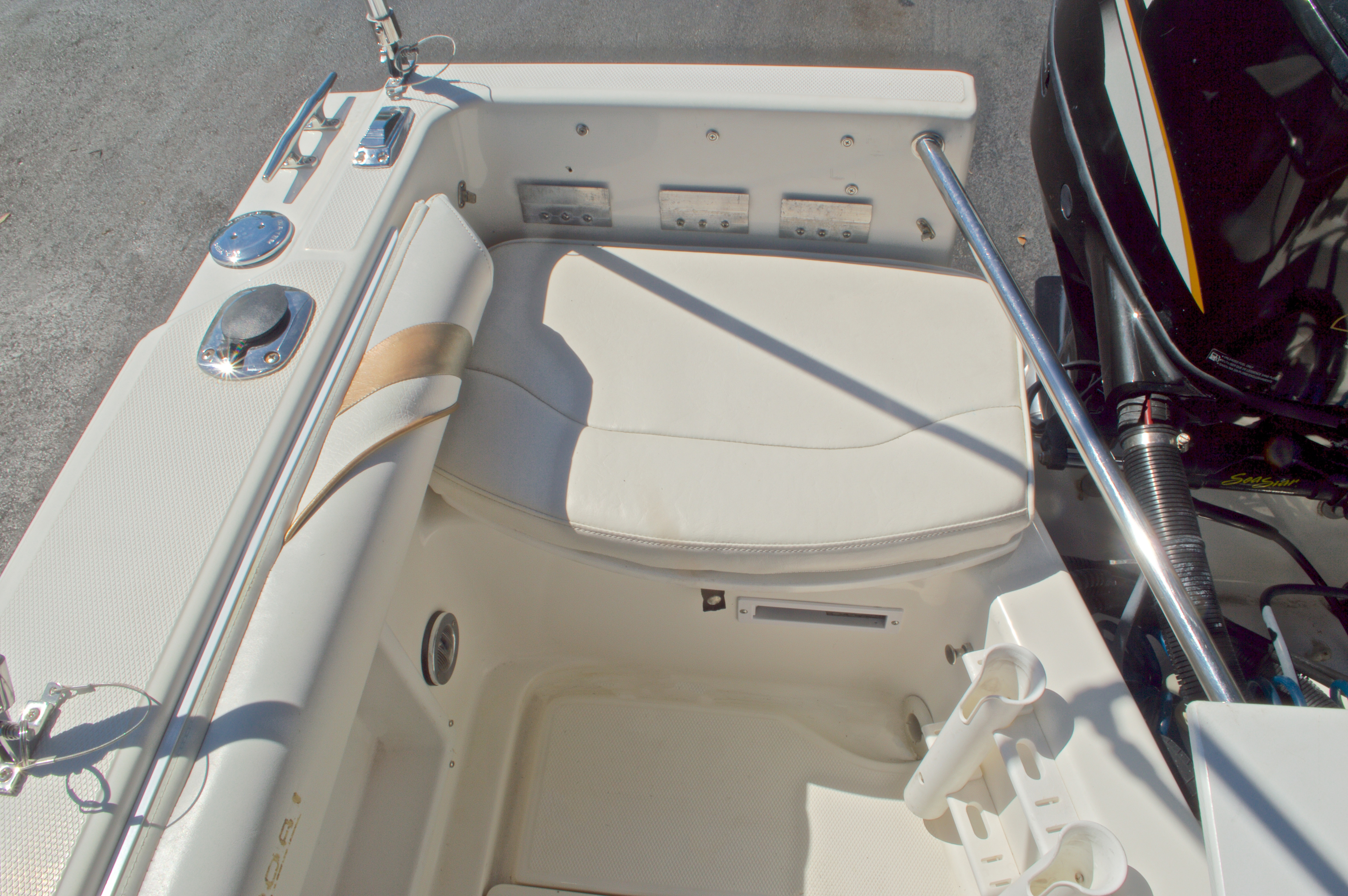 Thumbnail 16 for Used 2000 Aquasport 215 Osprey Sport DC boat for sale in West Palm Beach, FL