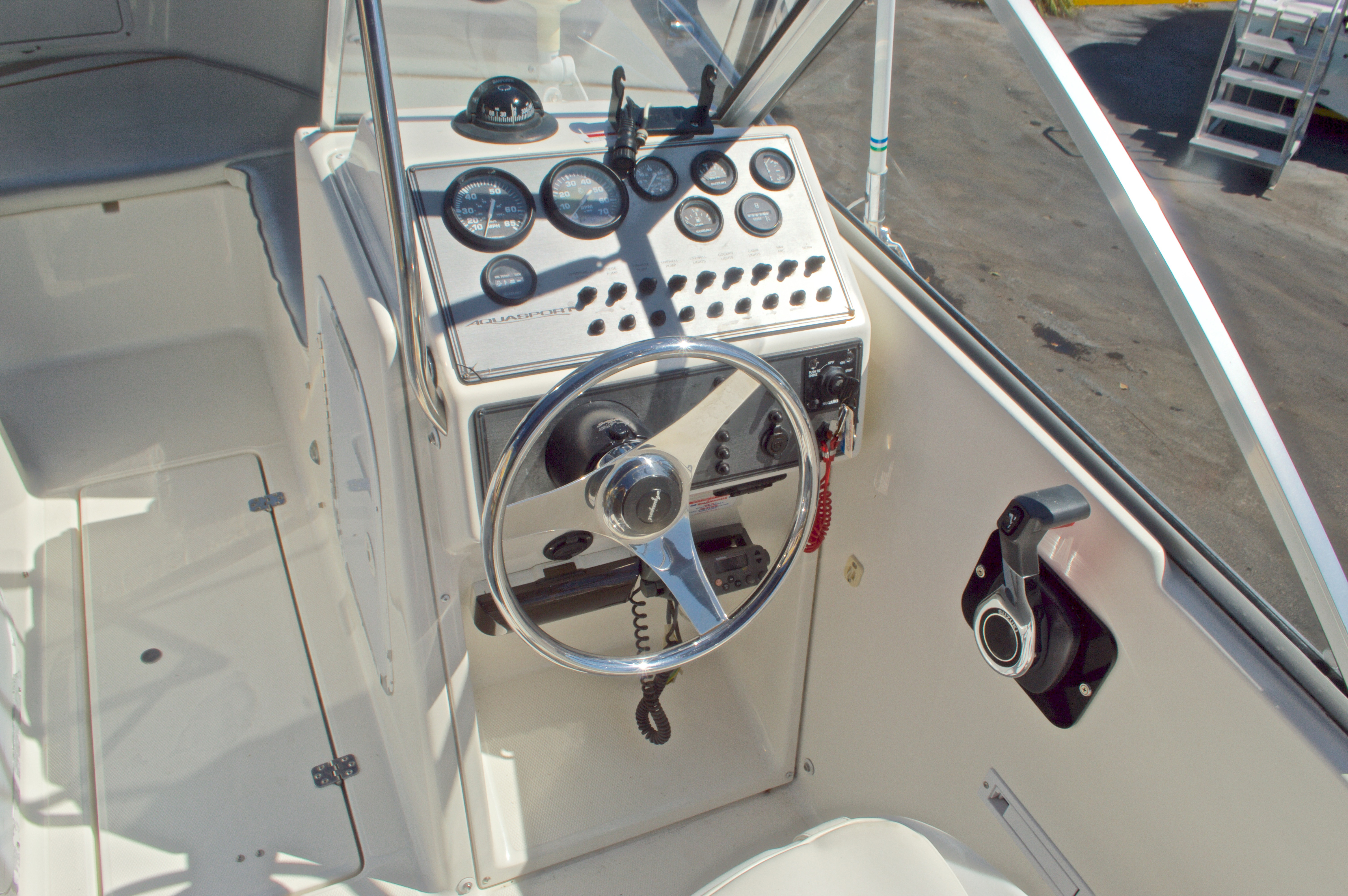 Thumbnail 32 for Used 2000 Aquasport 215 Osprey Sport DC boat for sale in West Palm Beach, FL