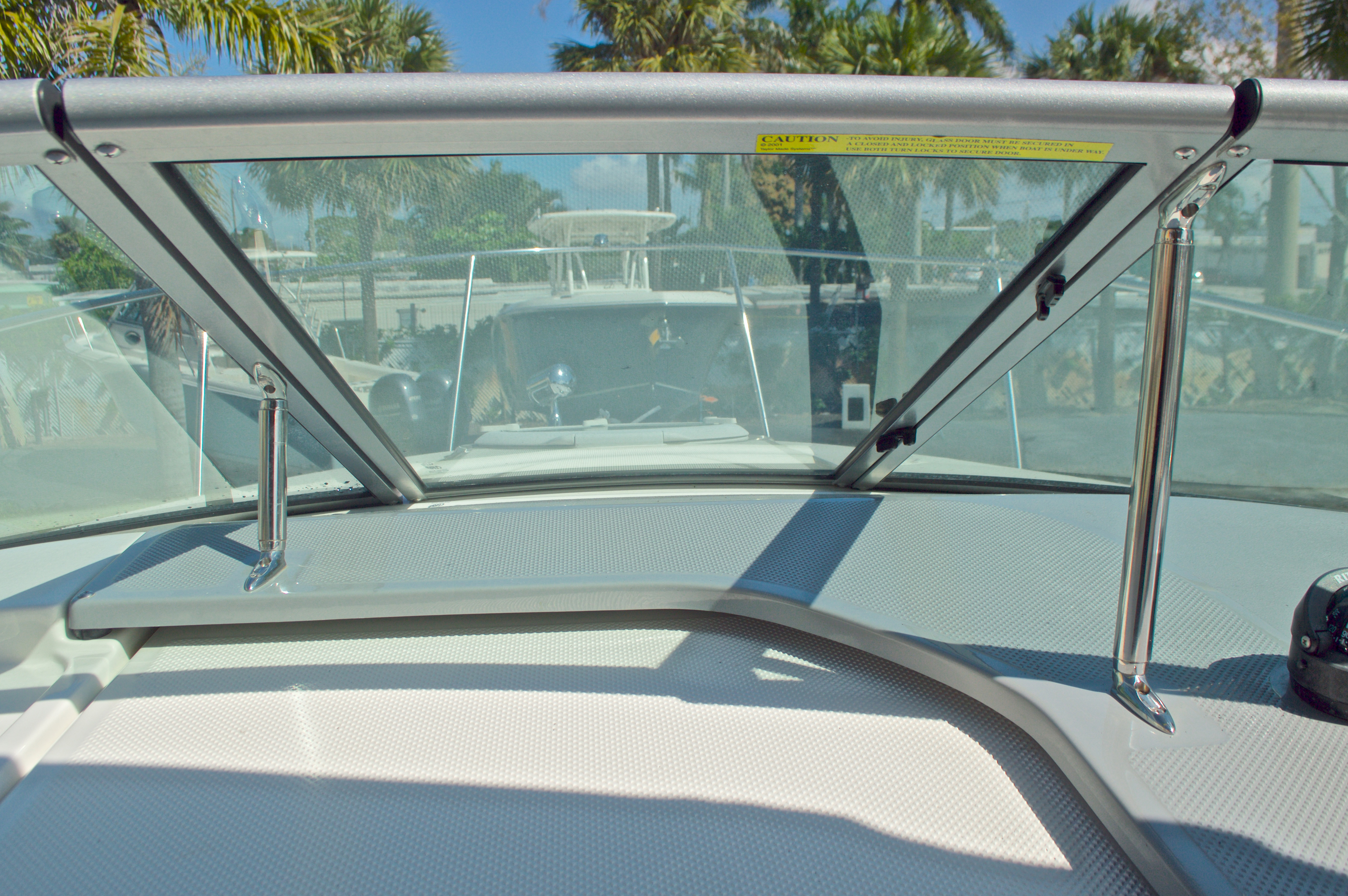 Thumbnail 37 for Used 2007 Maxum 2400 SE boat for sale in West Palm Beach, FL