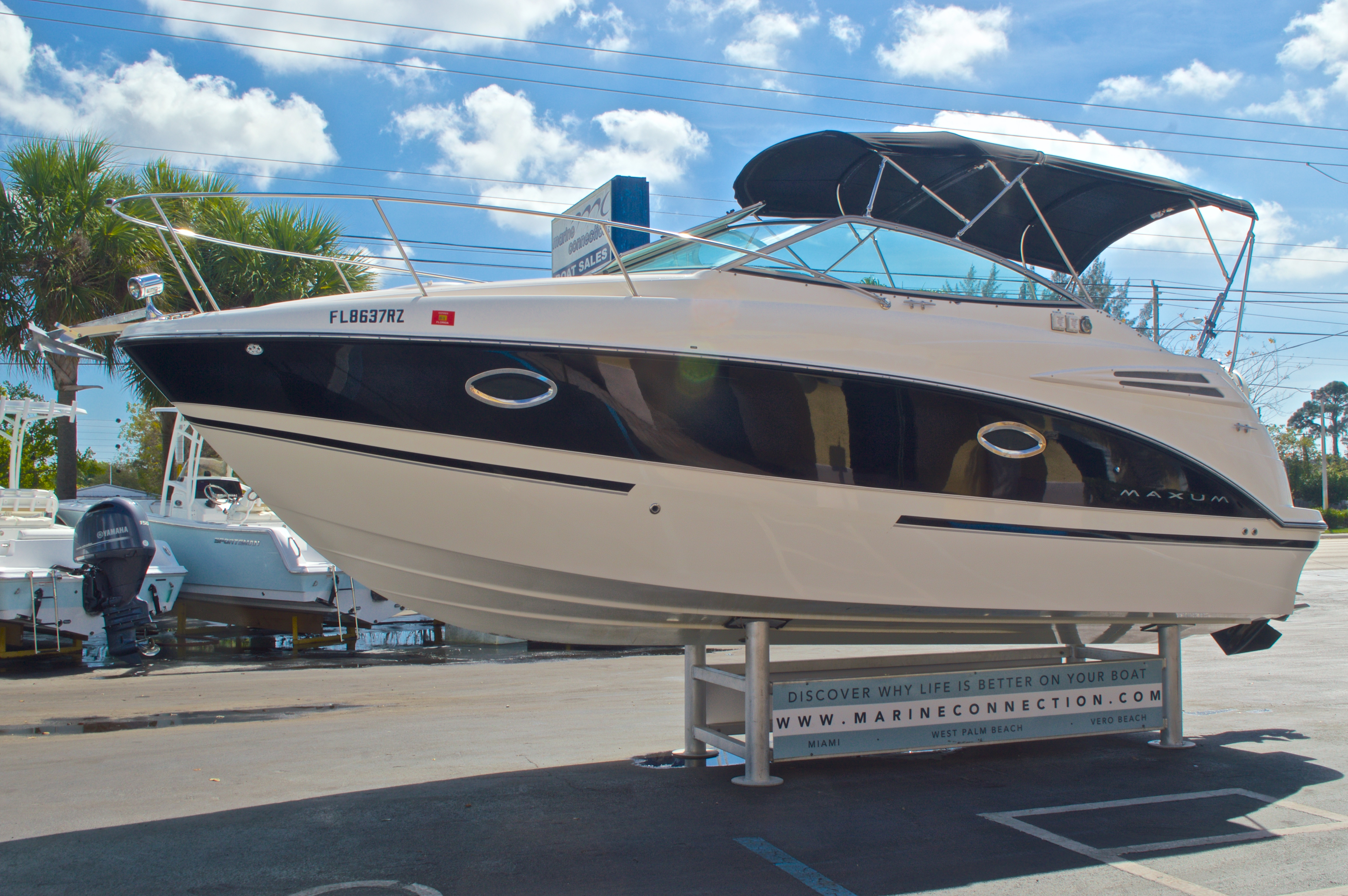 Thumbnail 4 for Used 2007 Maxum 2400 SE boat for sale in West Palm Beach, FL