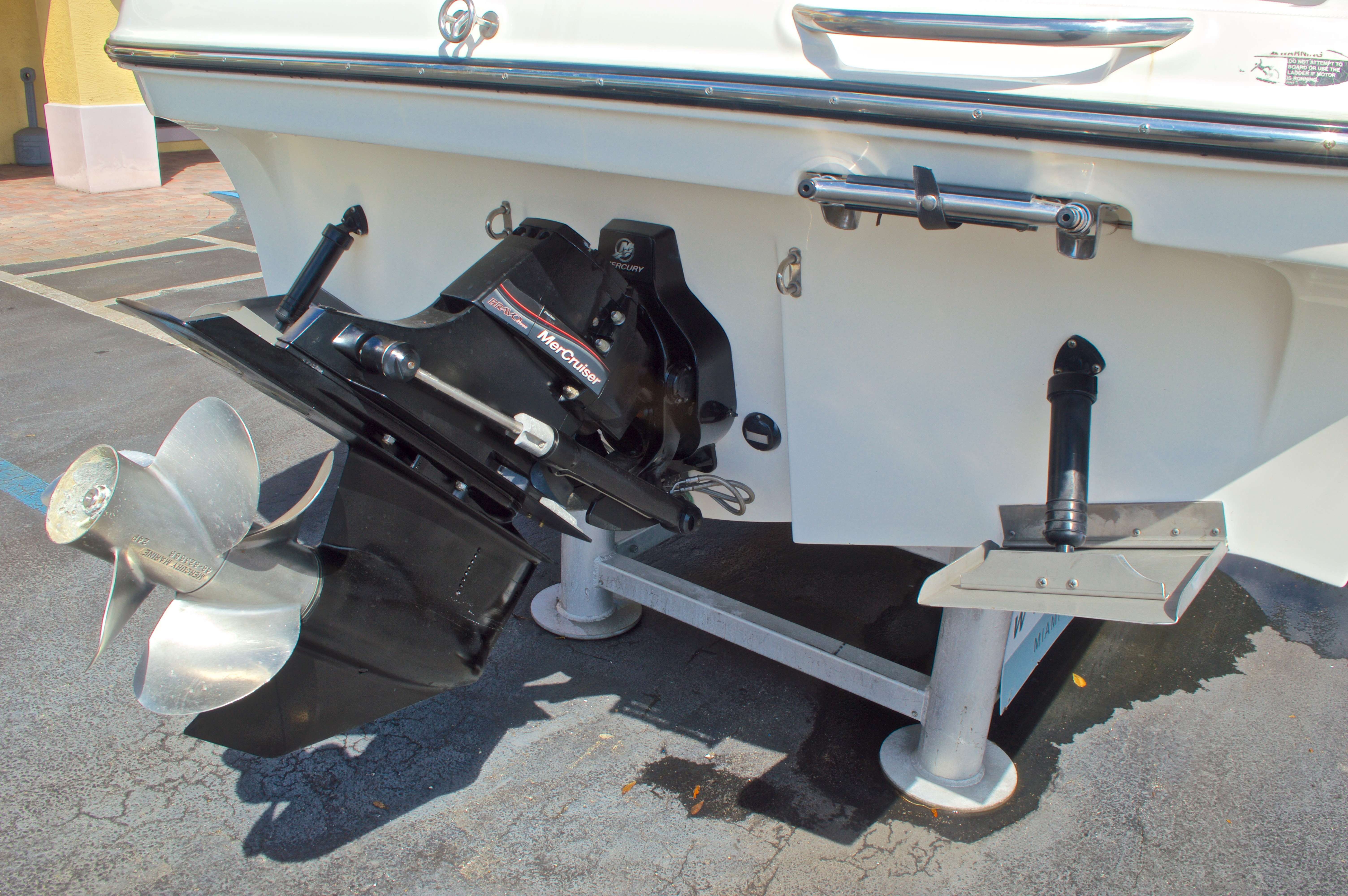 Thumbnail 55 for Used 2007 Maxum 2400 SE boat for sale in West Palm Beach, FL