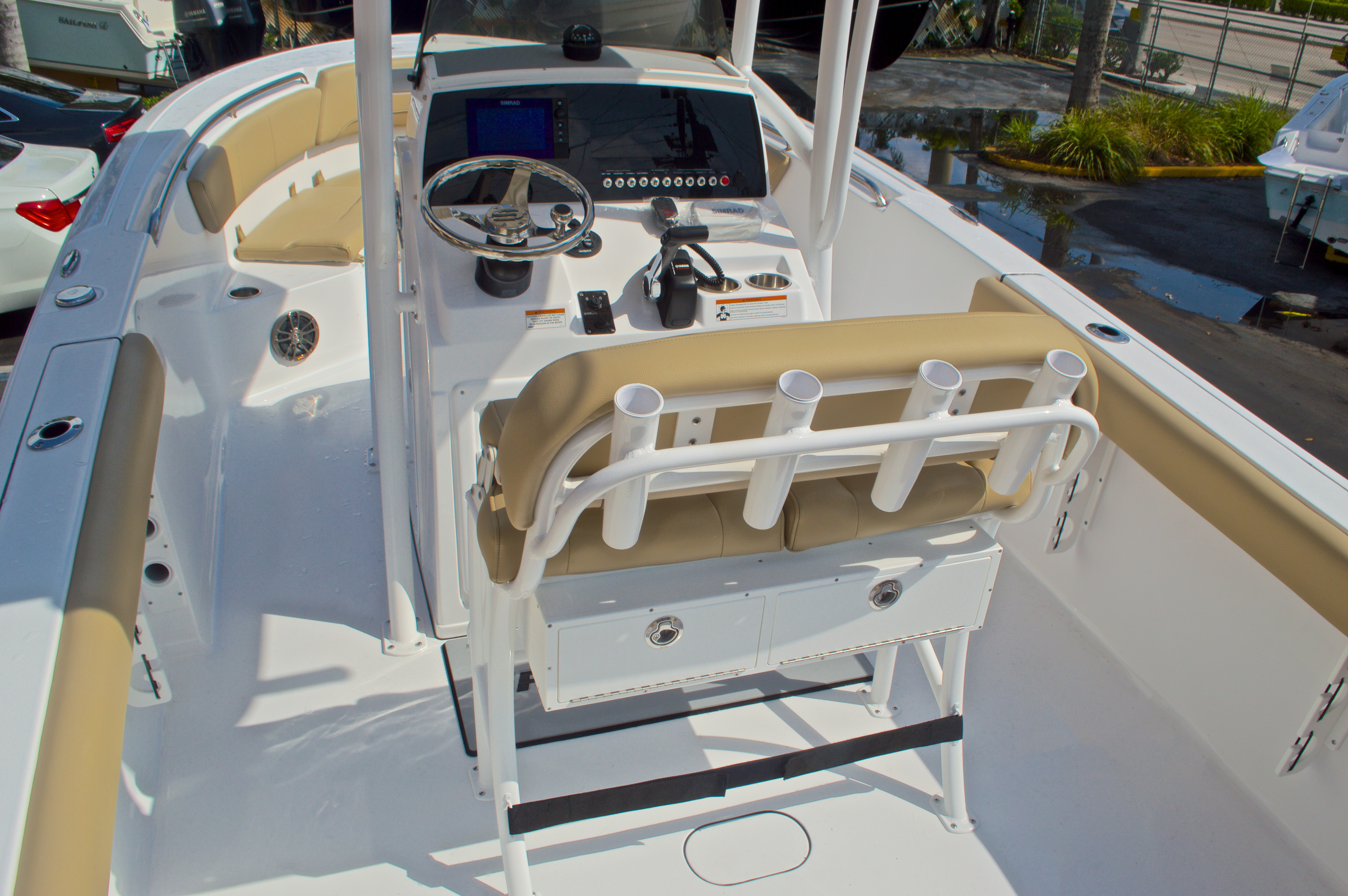 Thumbnail 10 for New 2016 Sportsman Heritage 231 Center Console boat for sale in Vero Beach, FL