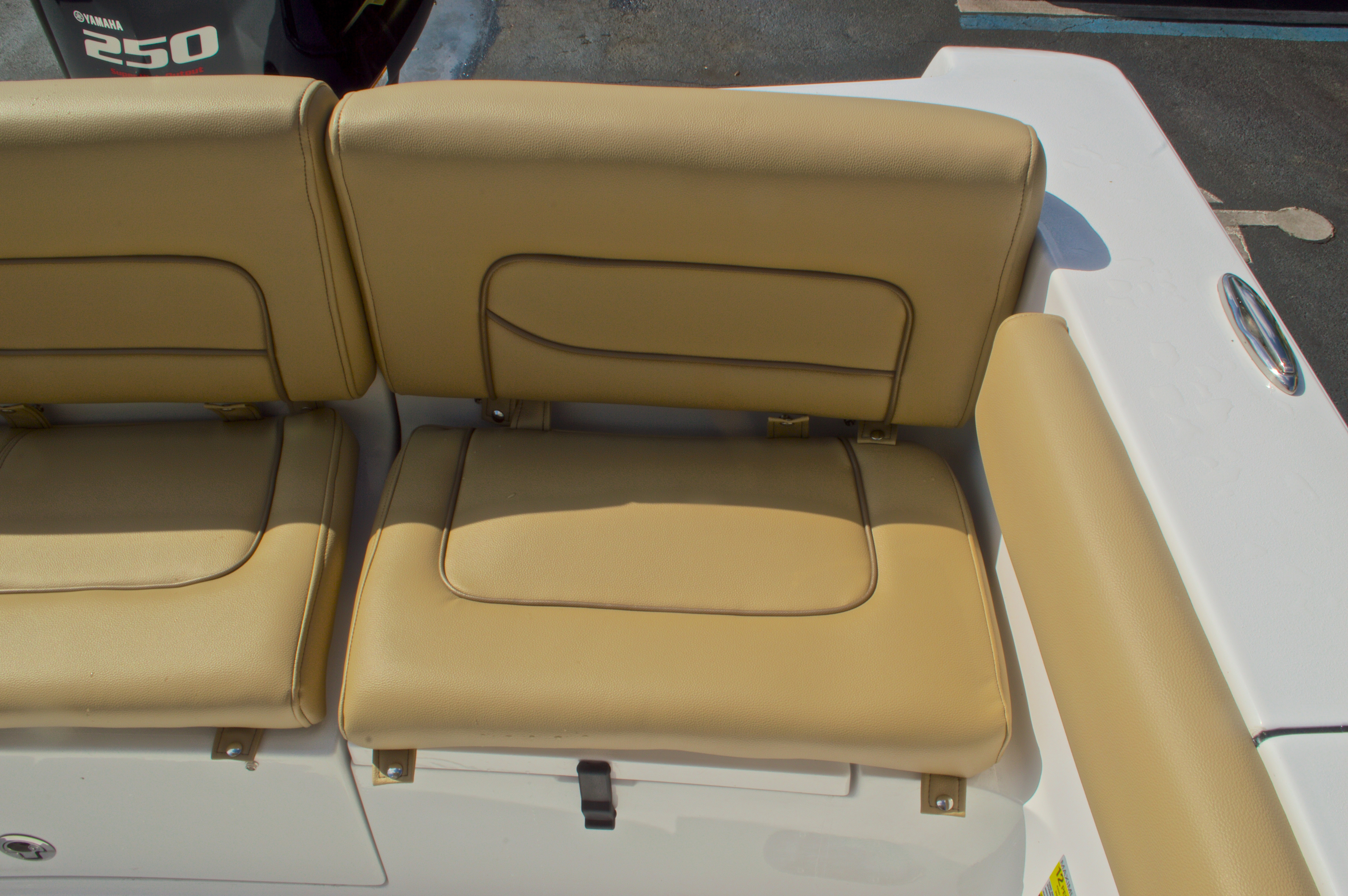 Thumbnail 15 for New 2016 Sportsman Heritage 231 Center Console boat for sale in Vero Beach, FL