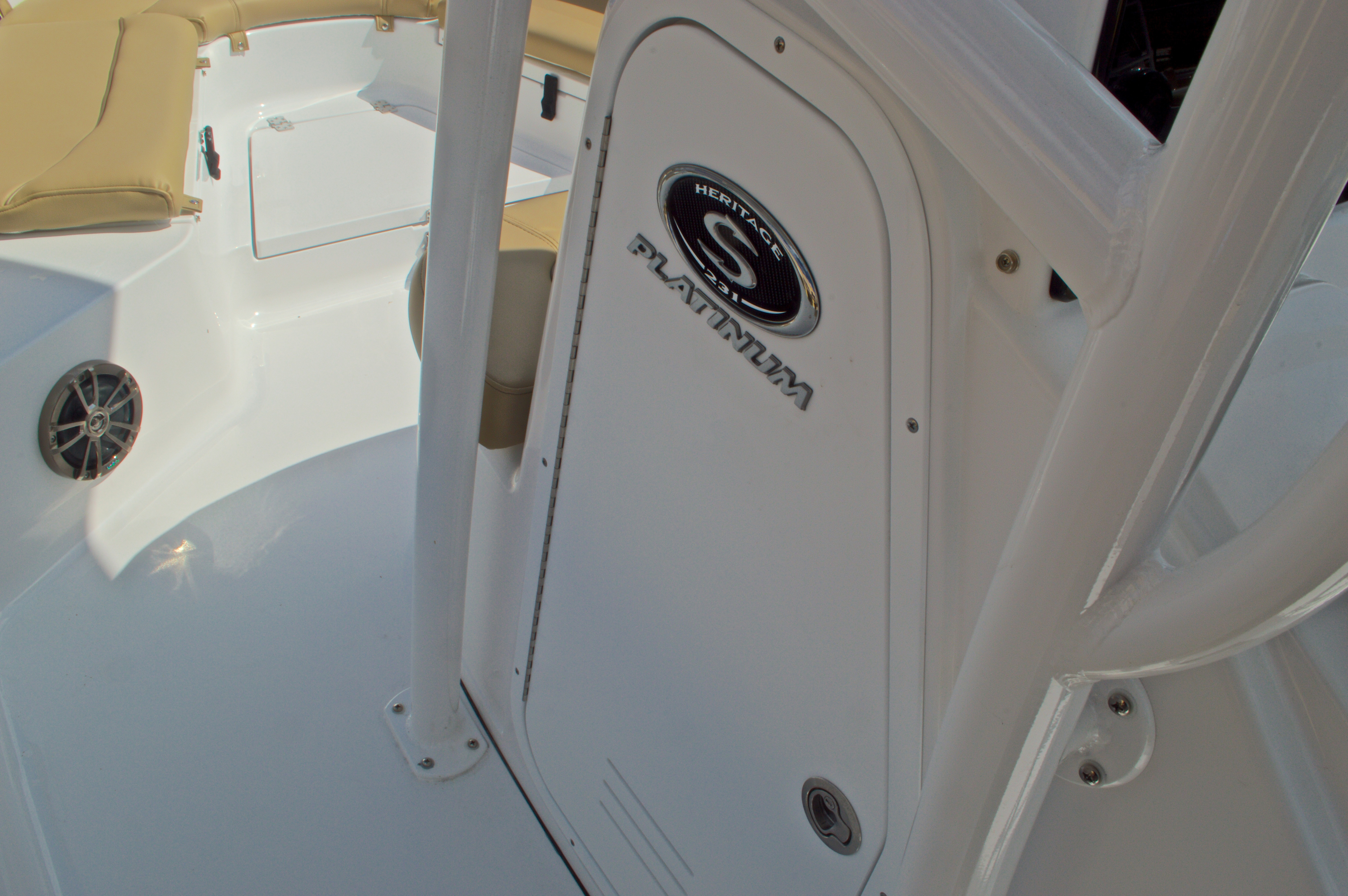 Thumbnail 31 for New 2016 Sportsman Heritage 231 Center Console boat for sale in Vero Beach, FL