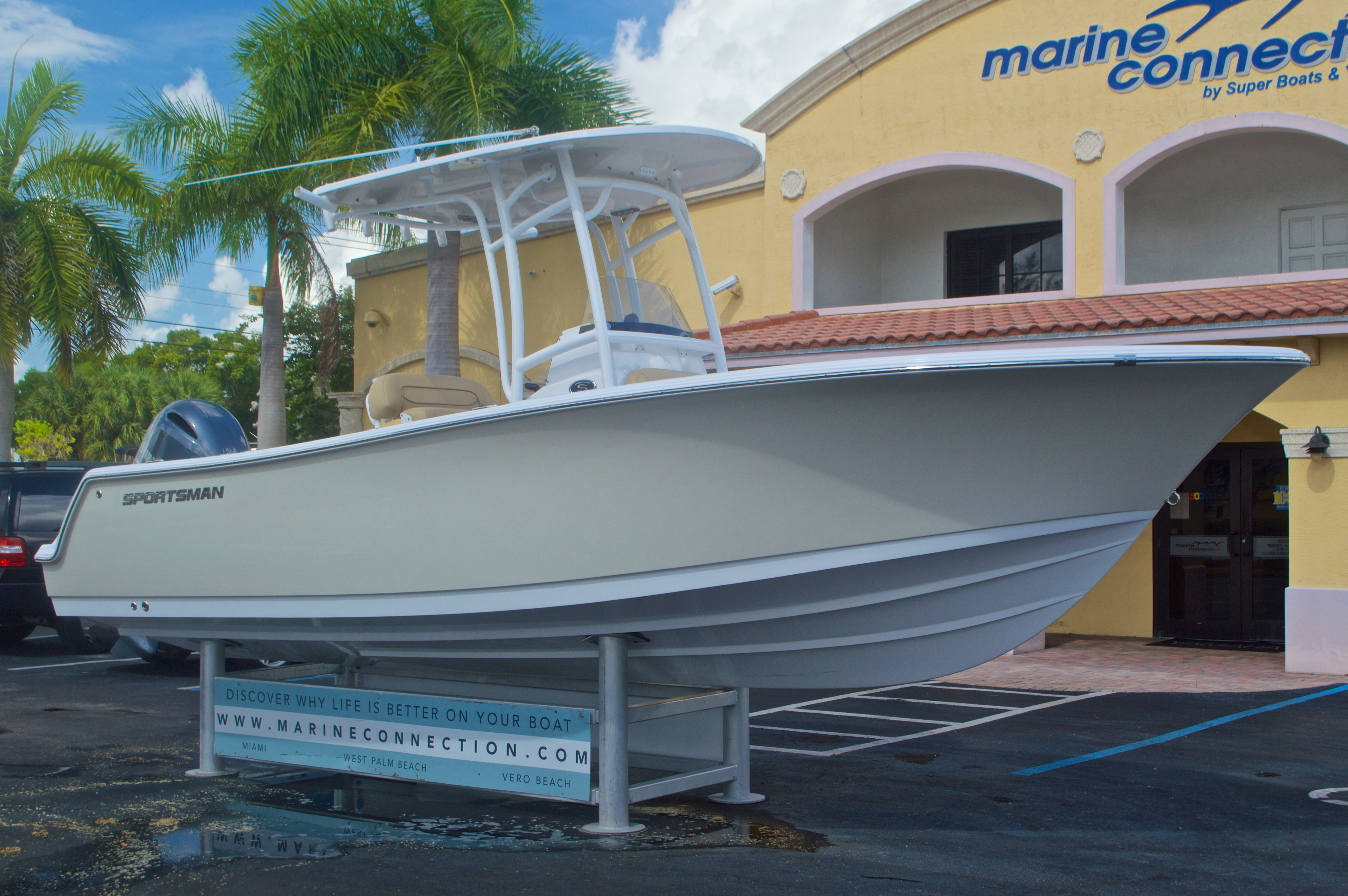 Thumbnail 1 for New 2016 Sportsman Heritage 231 Center Console boat for sale in Vero Beach, FL