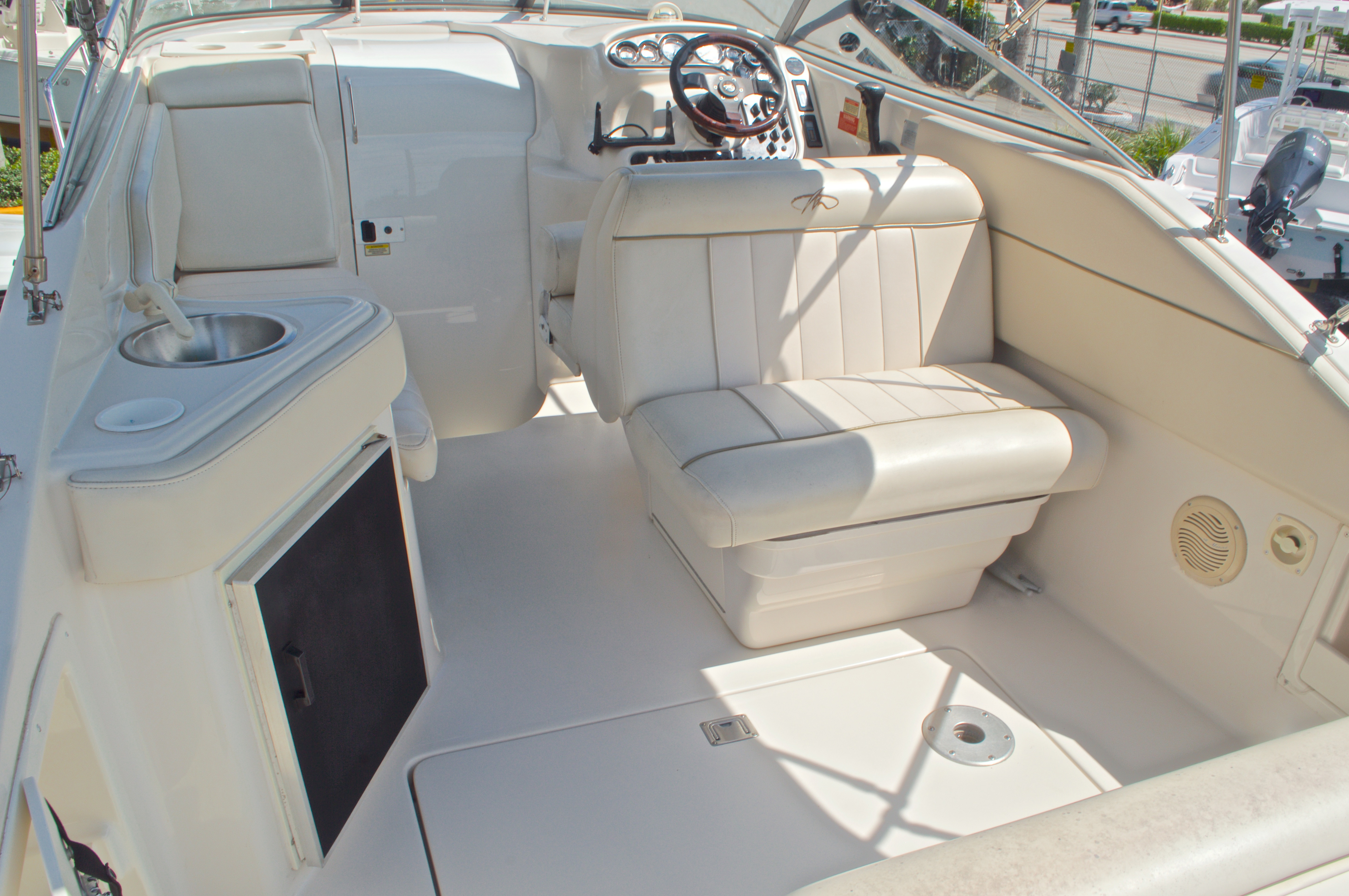 Thumbnail 12 for Used 2002 Monterey 262 Cruiser boat for sale in West Palm Beach, FL
