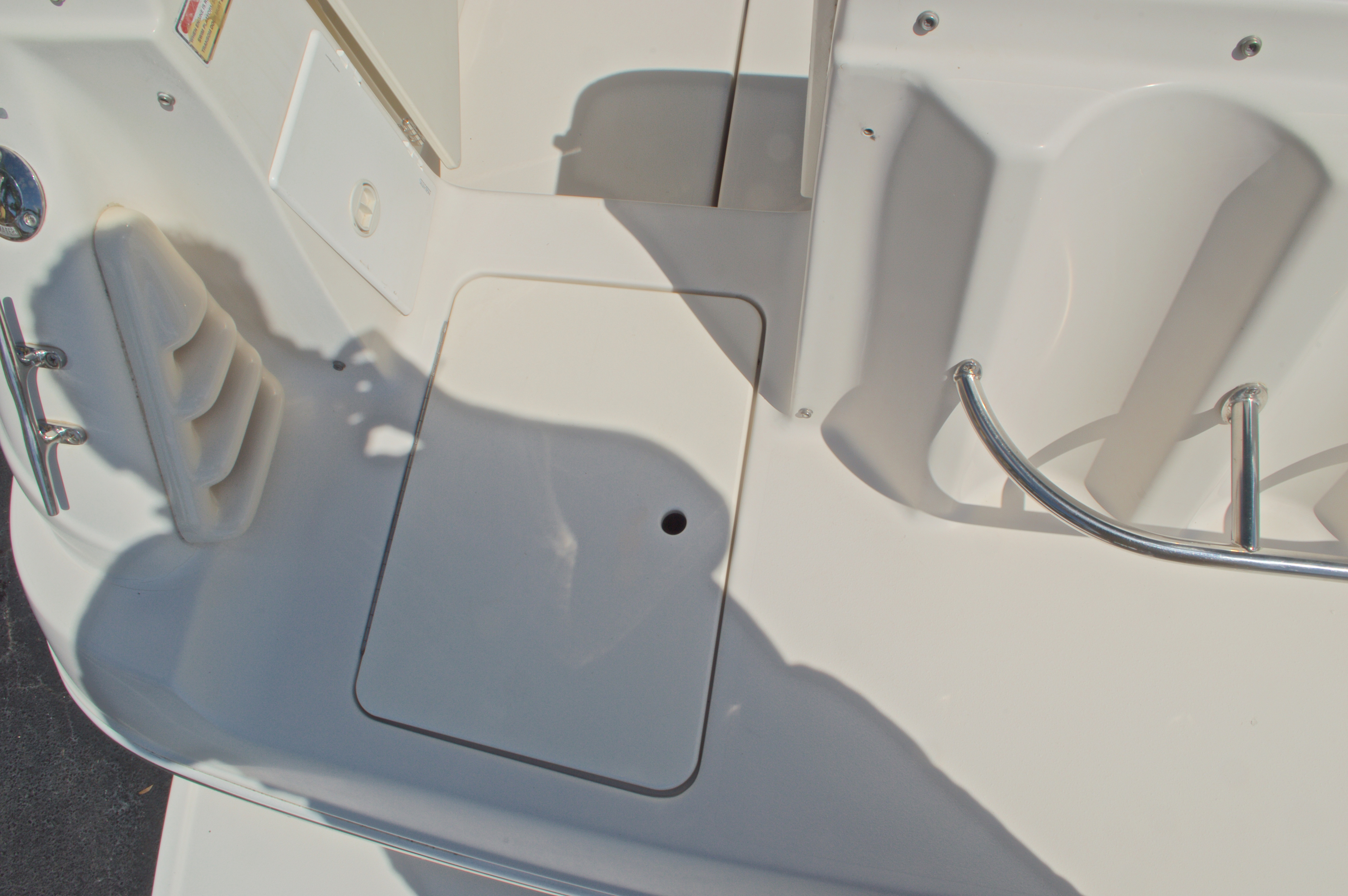 Thumbnail 15 for Used 2002 Monterey 262 Cruiser boat for sale in West Palm Beach, FL