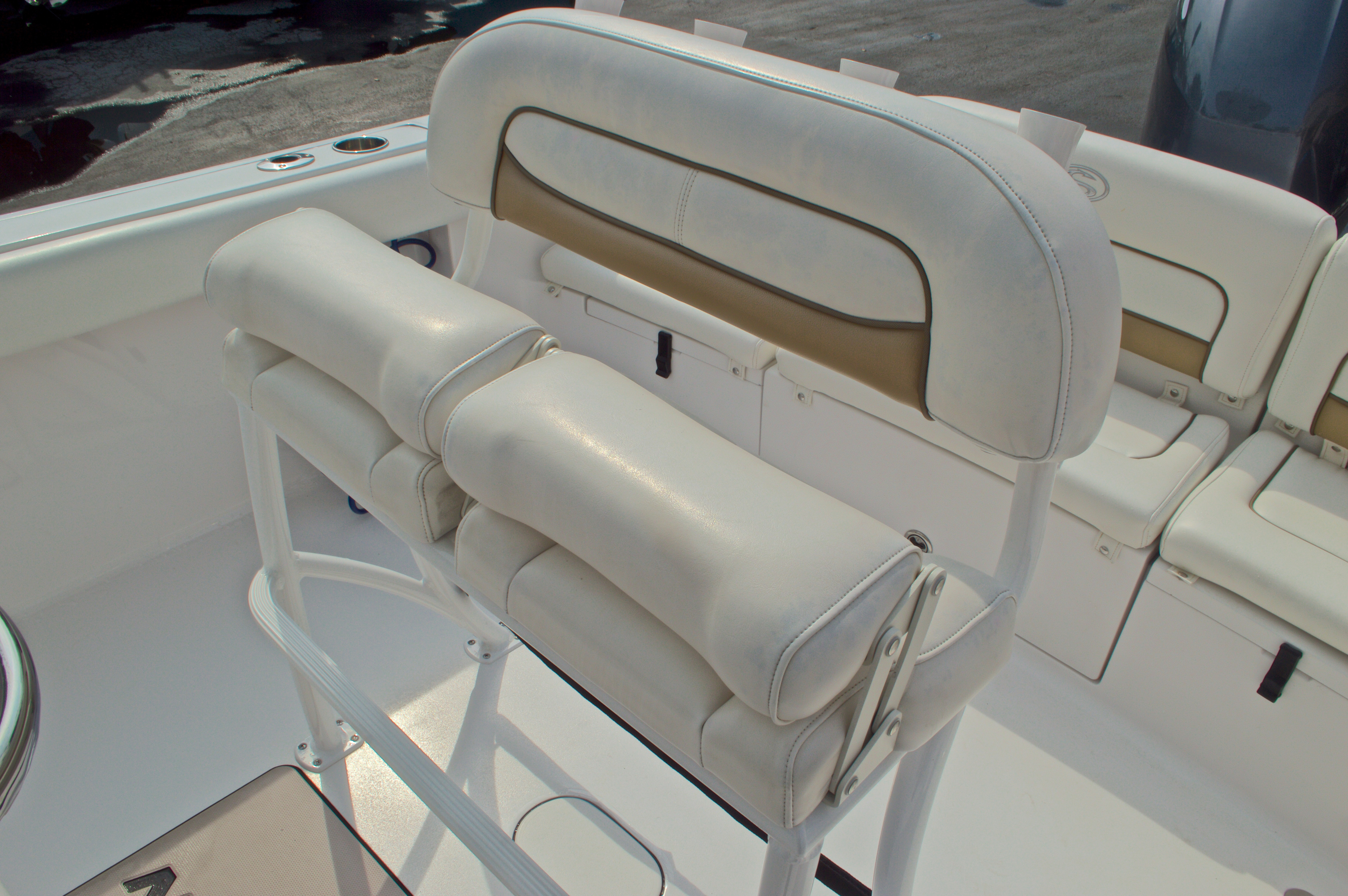 Thumbnail 43 for Used 2014 Sportsman Heritage 231 Center Console boat for sale in West Palm Beach, FL