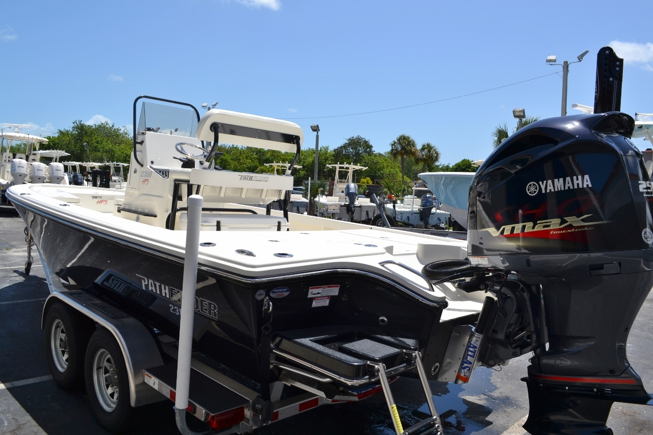 Thumbnail 4 for New 2016 Pathfinder 2300 HPS Bay Boat boat for sale in Vero Beach, FL