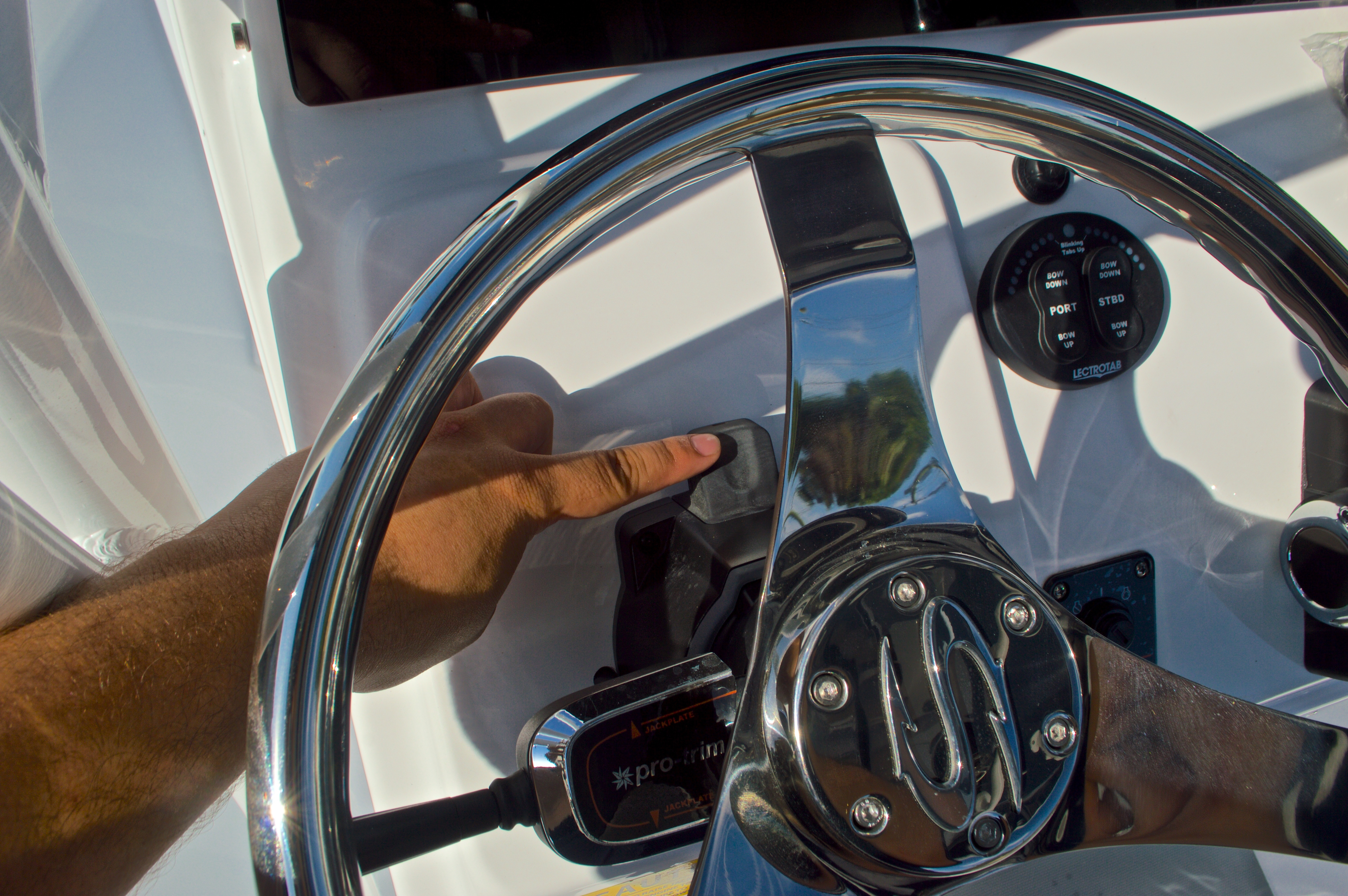 Thumbnail 32 for New 2016 Sportsman Masters 247 Bay Boat boat for sale in West Palm Beach, FL