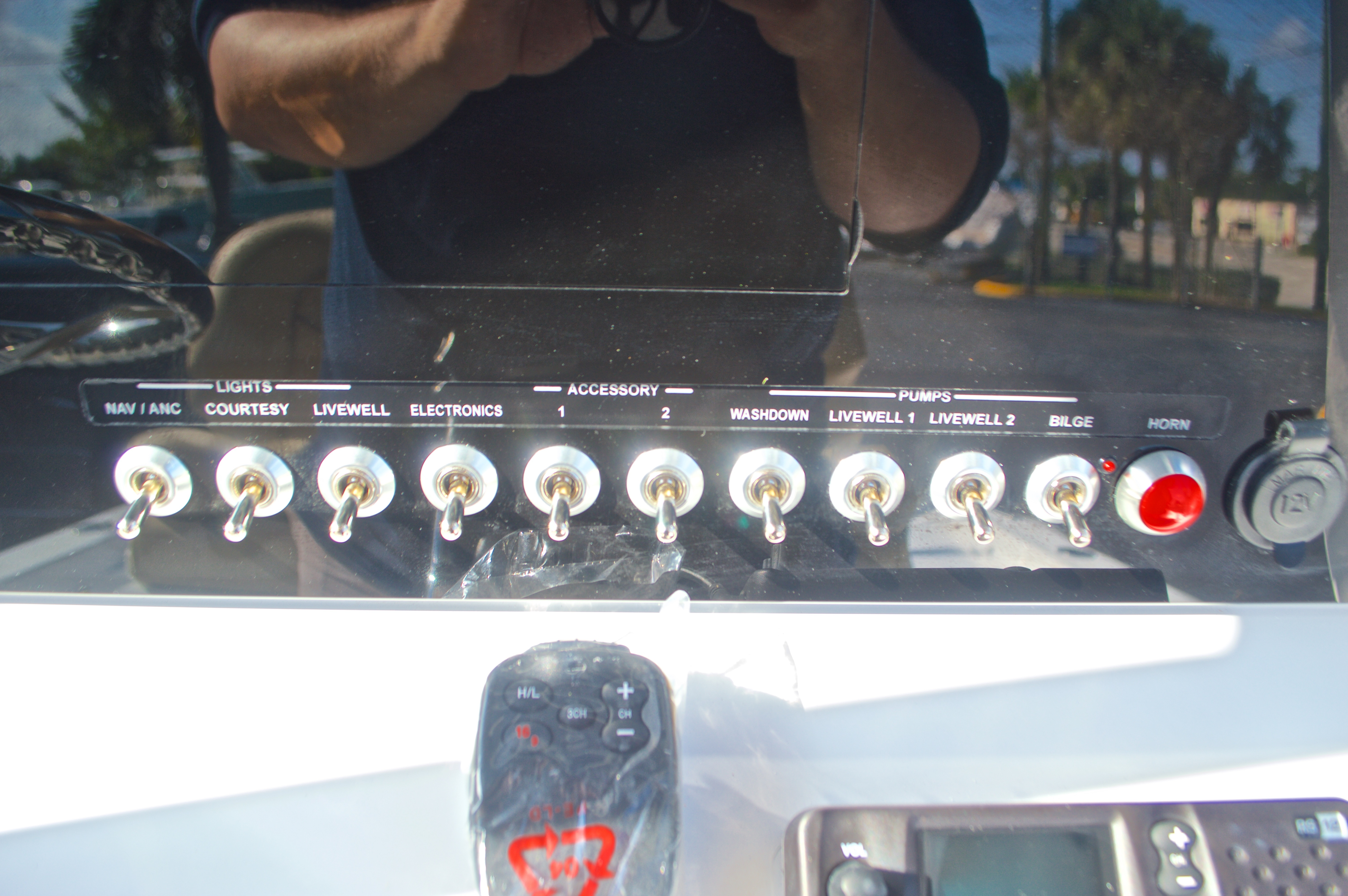 Thumbnail 29 for New 2016 Sportsman Masters 247 Bay Boat boat for sale in West Palm Beach, FL
