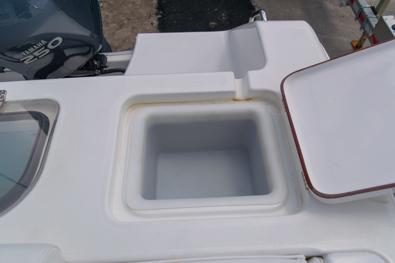 Thumbnail 27 for Used 2010 Sea Hunt Gamefish 24 Center Console boat for sale in Miami, FL