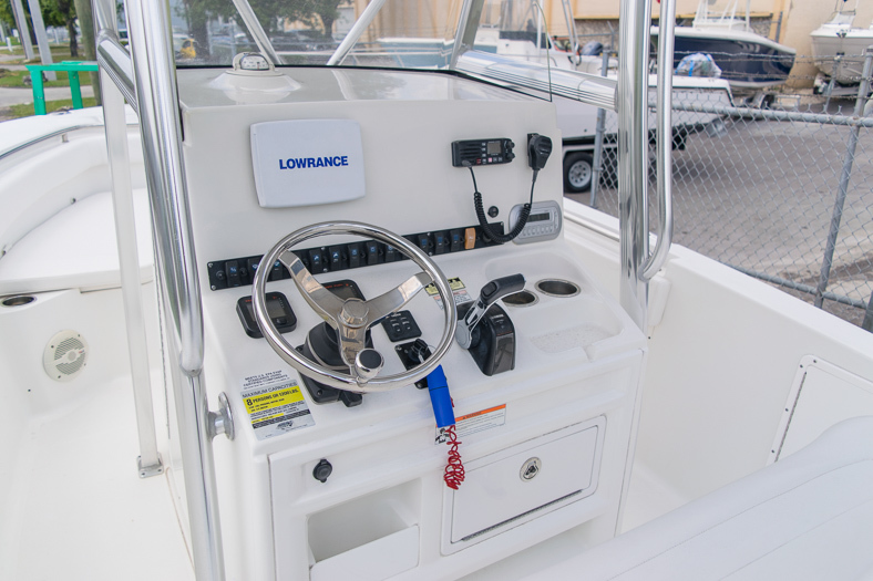 Thumbnail 35 for Used 2010 Sea Hunt Gamefish 24 Center Console boat for sale in Miami, FL