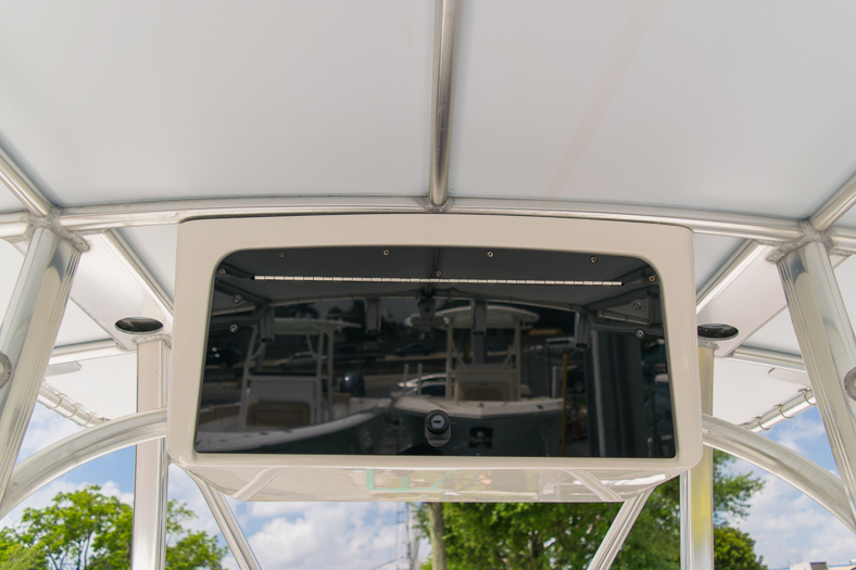Thumbnail 47 for Used 2010 Sea Hunt Gamefish 24 Center Console boat for sale in Miami, FL