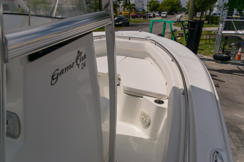 Thumbnail 49 for Used 2010 Sea Hunt Gamefish 24 Center Console boat for sale in Miami, FL