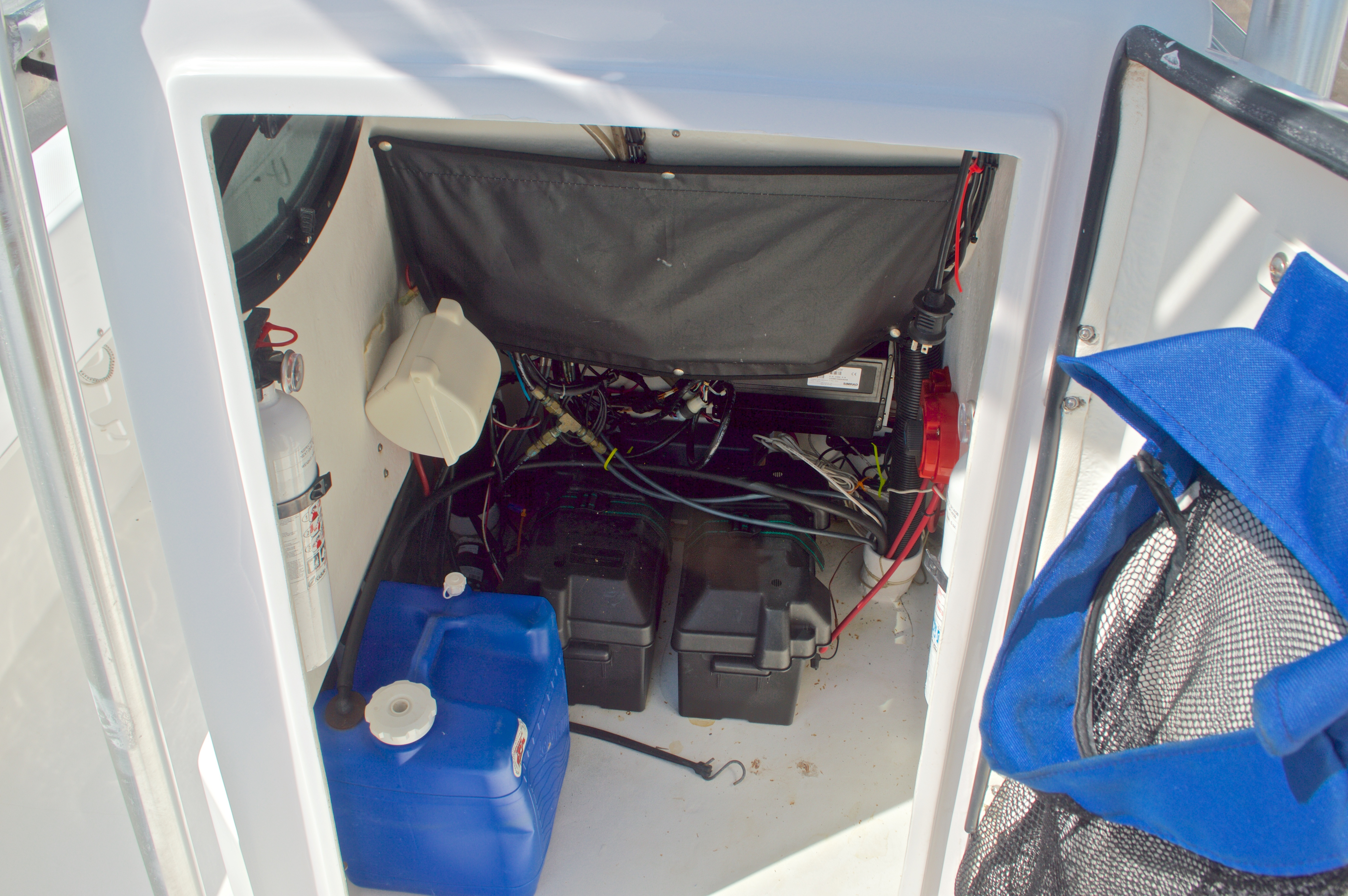 Thumbnail 48 for Used 2005 Twin Vee 26 CC Center Console boat for sale in West Palm Beach, FL