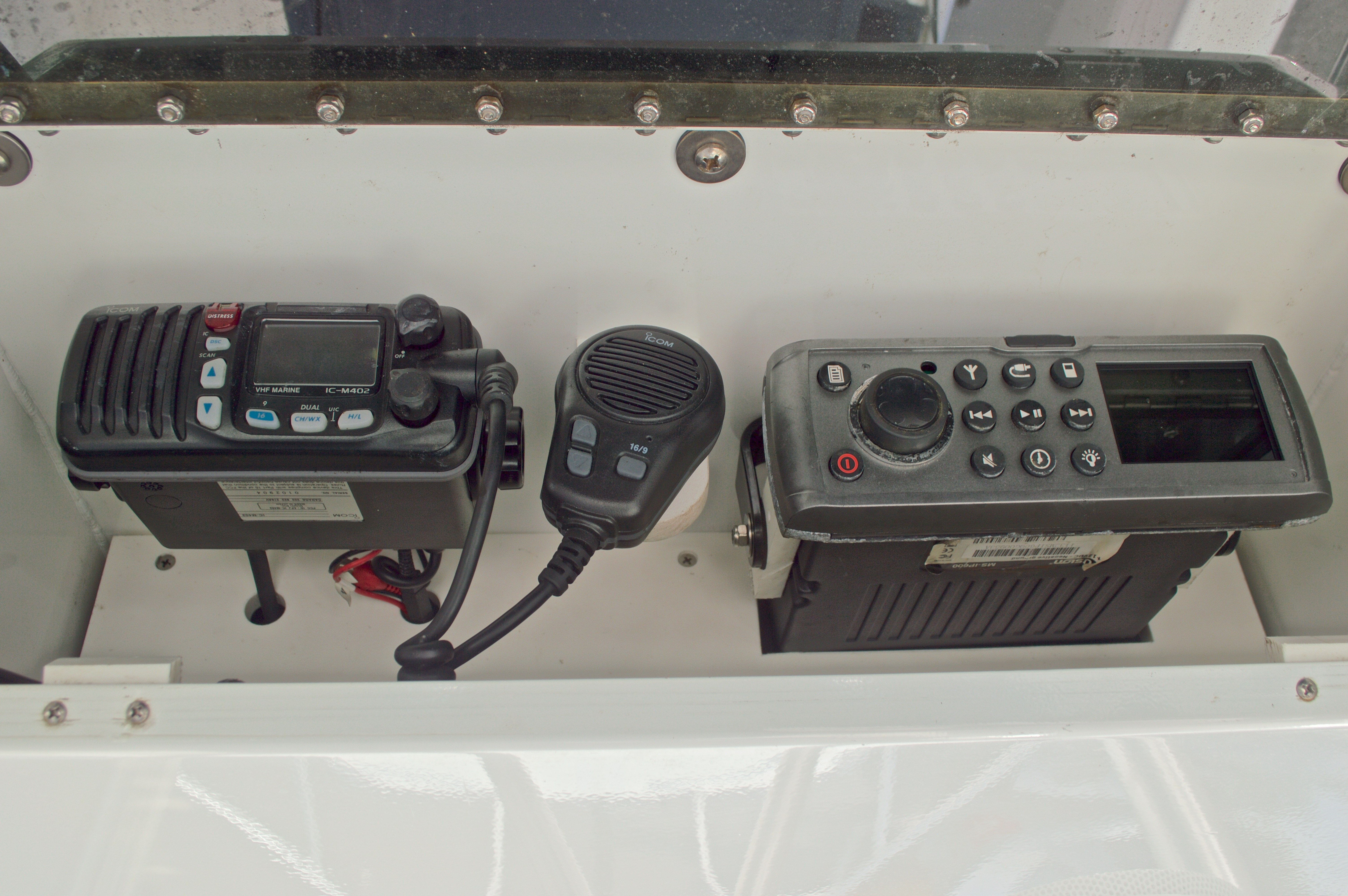 Thumbnail 41 for Used 2005 Twin Vee 26 CC Center Console boat for sale in West Palm Beach, FL