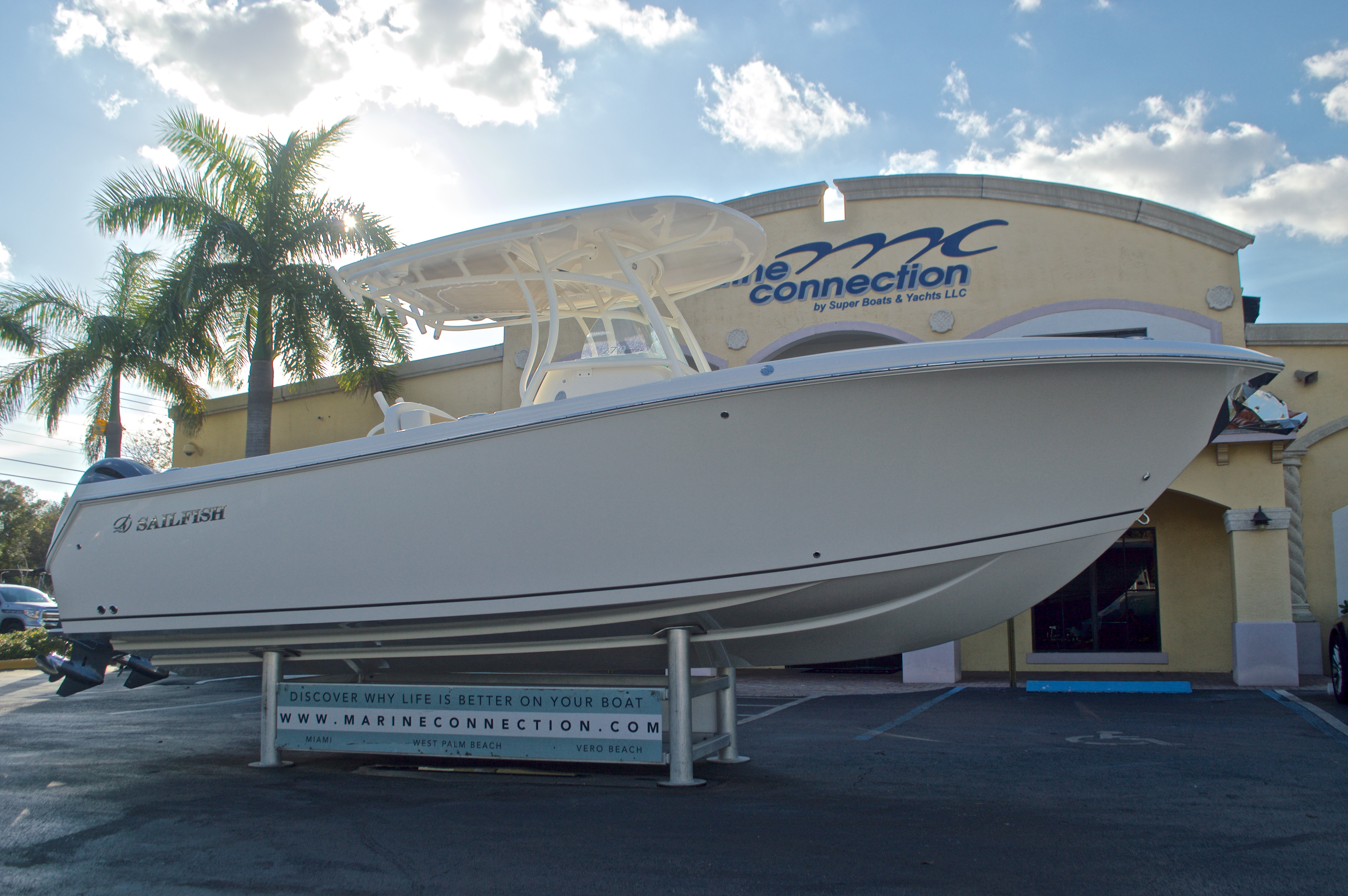 Thumbnail 1 for New 2016 Sailfish 270 CC Center Console boat for sale in Miami, FL