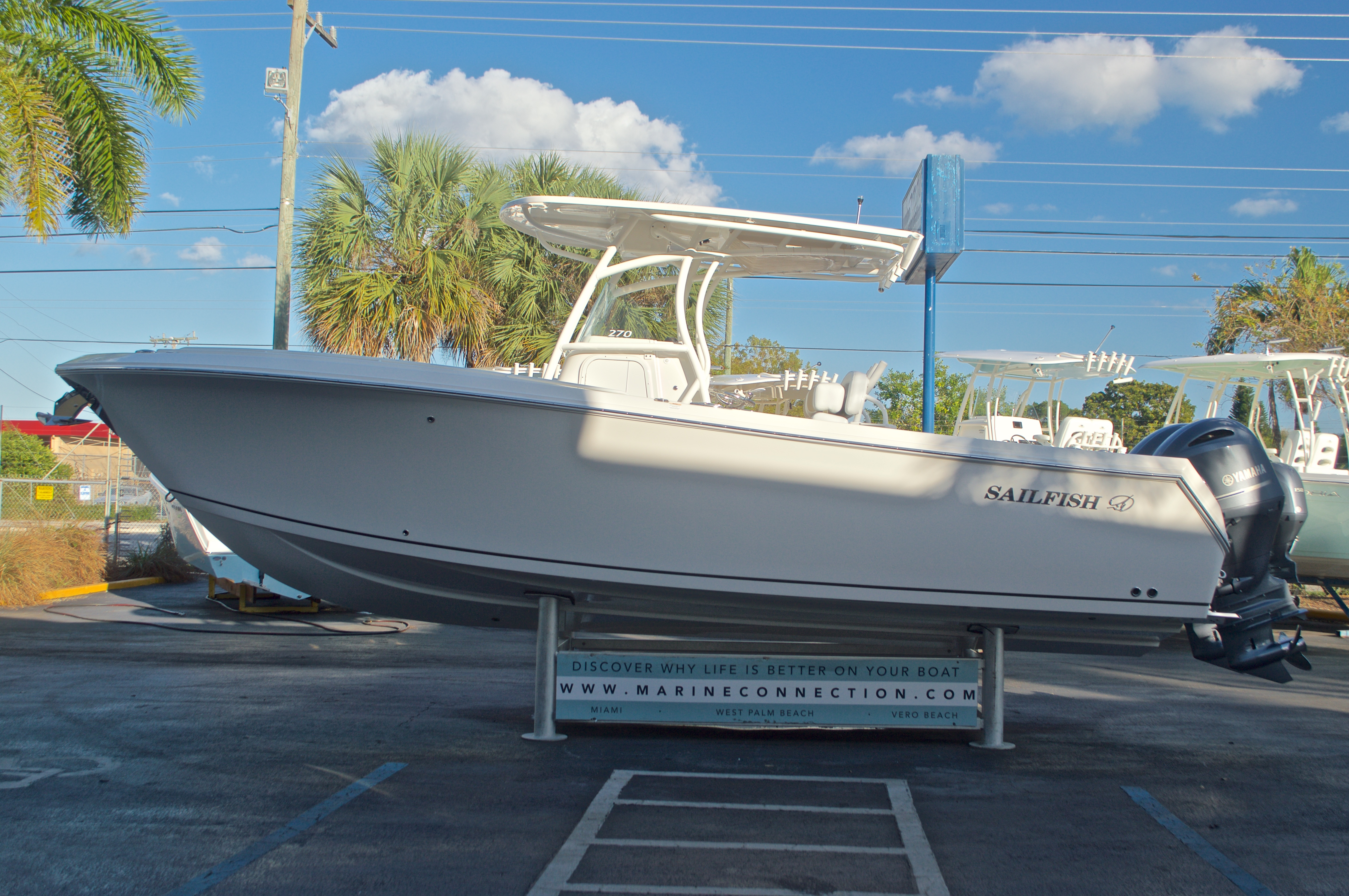 Thumbnail 4 for New 2016 Sailfish 270 CC Center Console boat for sale in Miami, FL