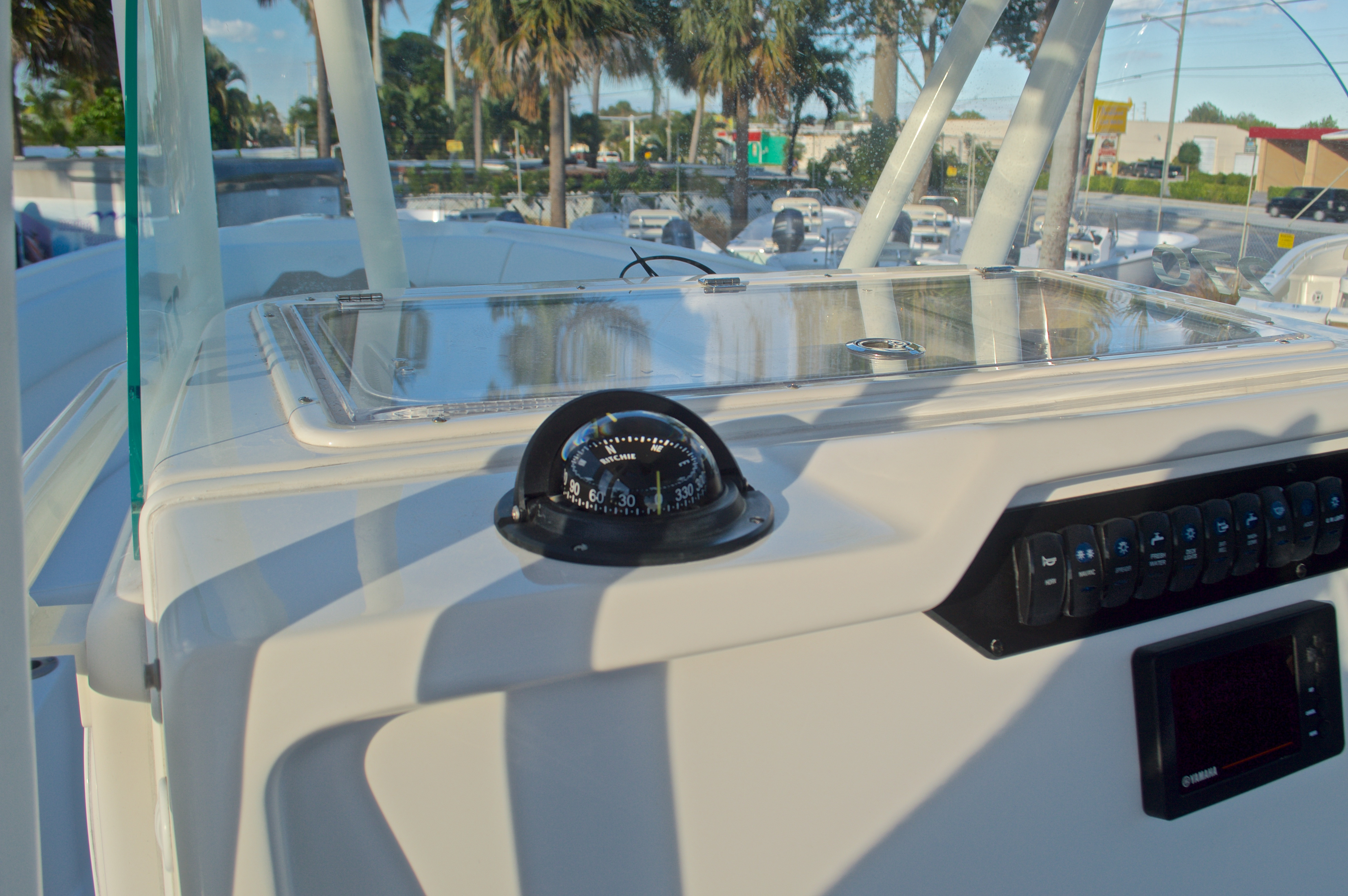 Thumbnail 32 for New 2016 Sailfish 270 CC Center Console boat for sale in Miami, FL