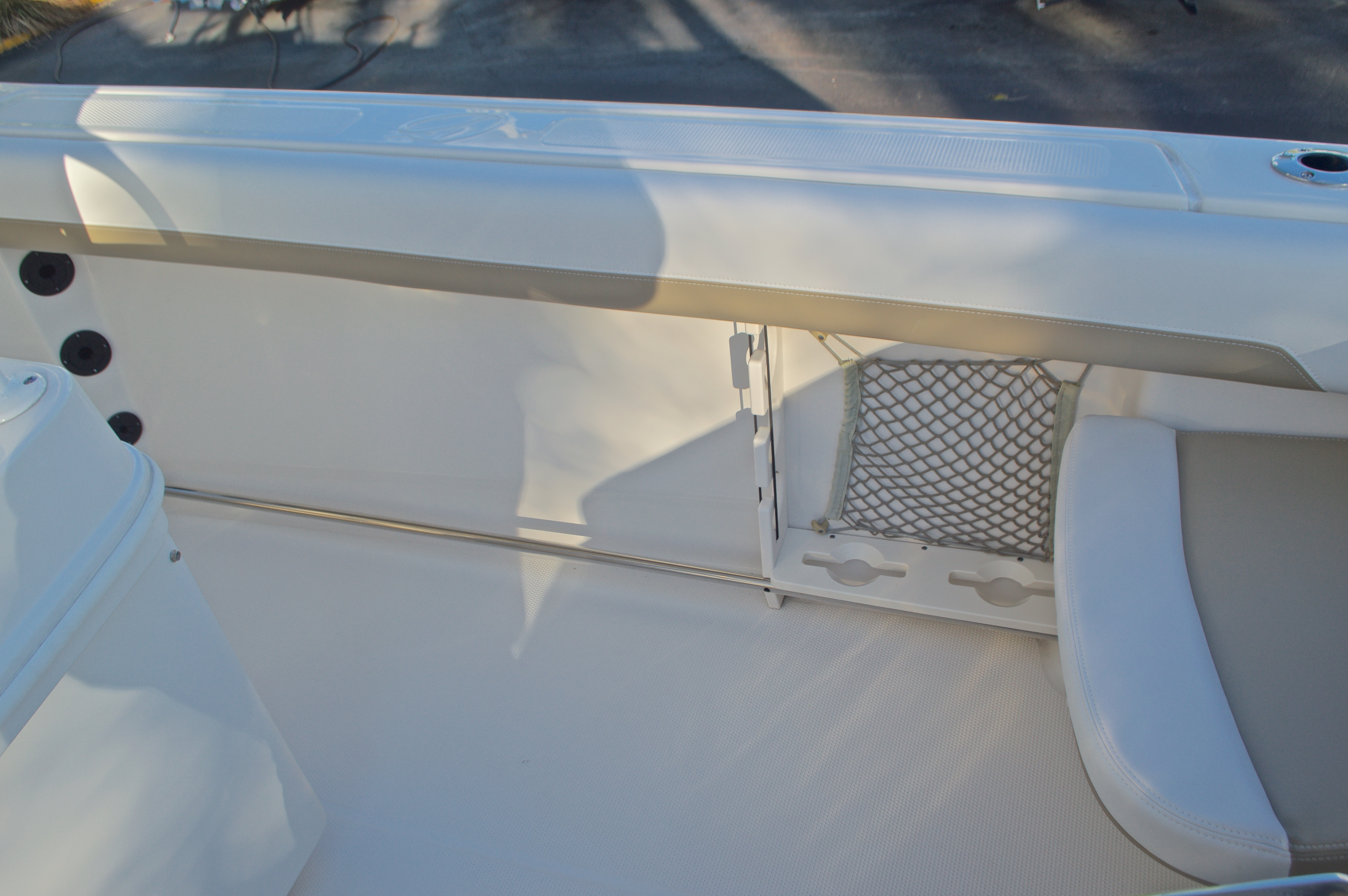 Thumbnail 22 for New 2016 Sailfish 270 CC Center Console boat for sale in Miami, FL